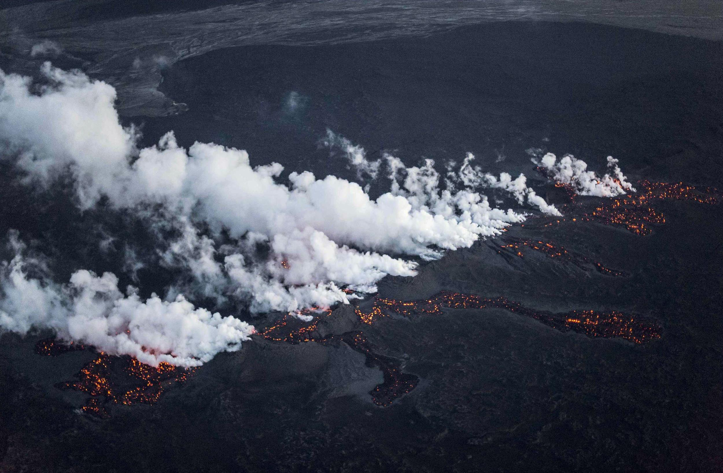 Iceland Volcano Erupts Along a Half-Mile Fissure
