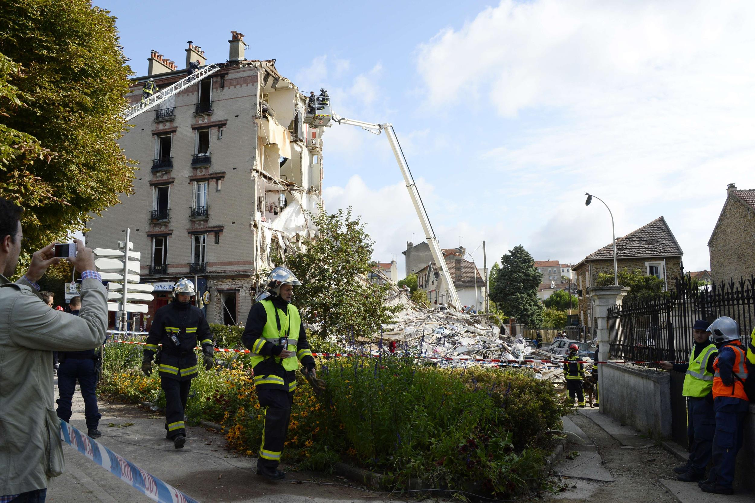 Image: FRANCE-HOUSING-ACCIDENT