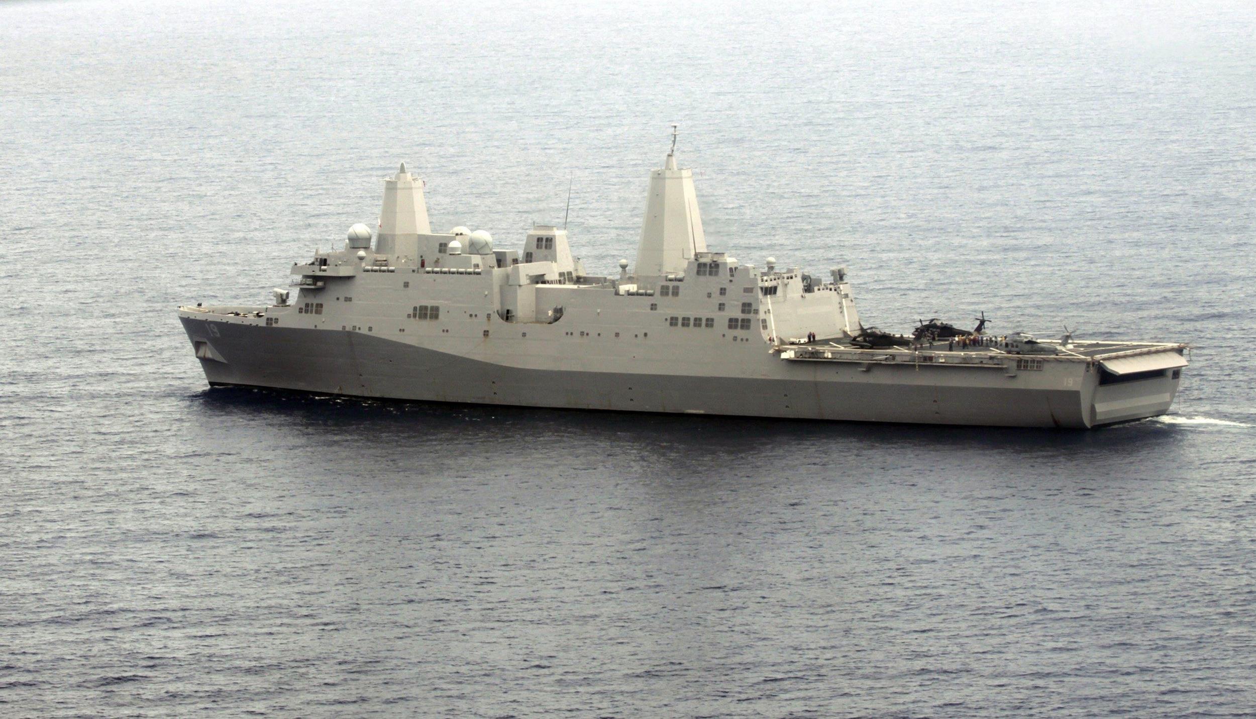Image: The USS Mesa Verde takes part in FA Panamax 2009 in the Atlantic Ocean