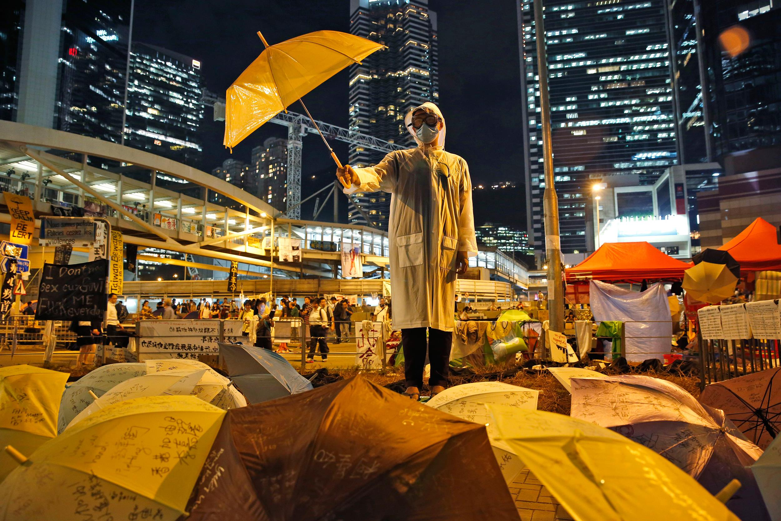 Hong Kong Student Protests Swell After Leaders Call Off ...
