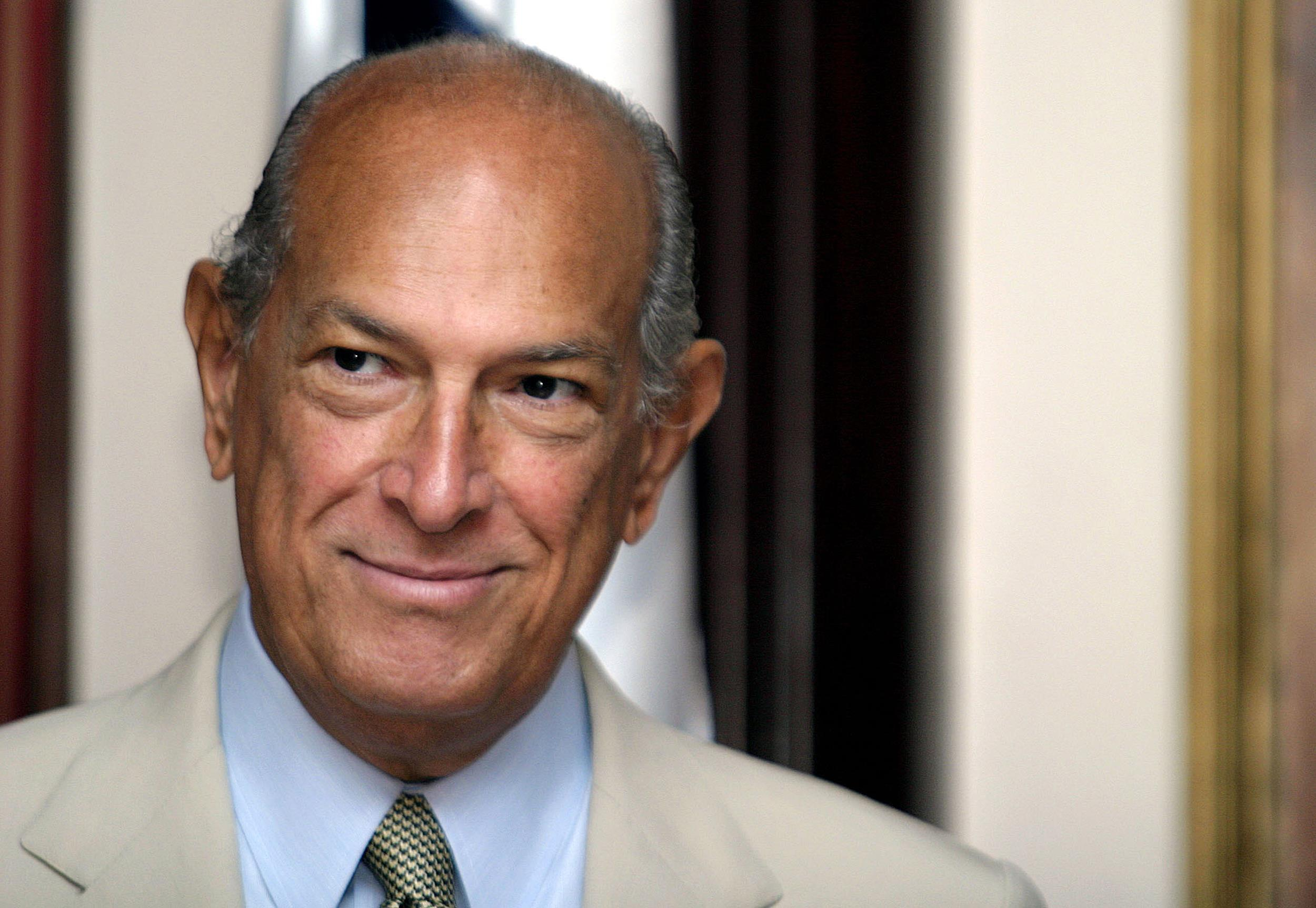 legendary fashion designer oscar de la renta dies at 82 nbc news. Black Bedroom Furniture Sets. Home Design Ideas