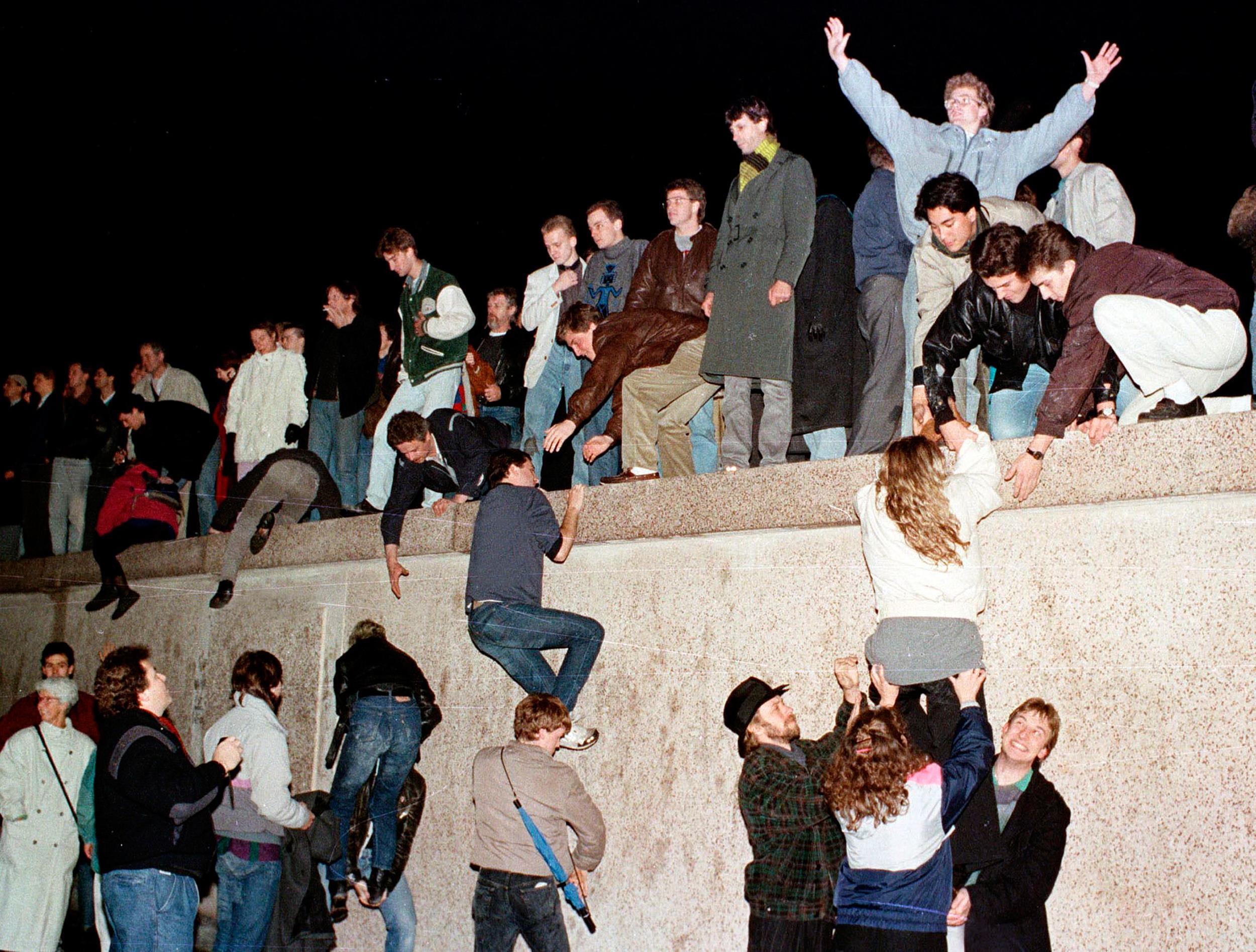 Berlin wall date