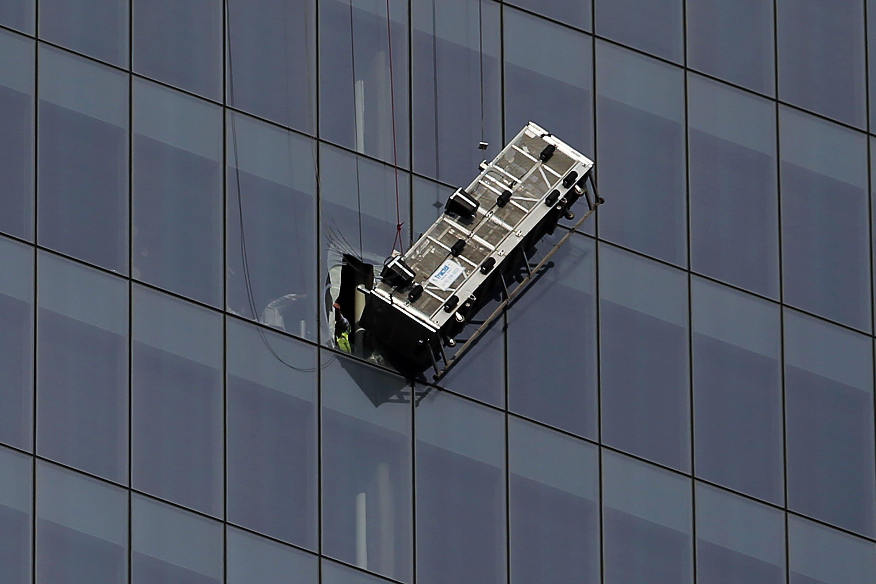 Window Washers Defy Death But Can Start Off Making Just $12 Per Hour ...