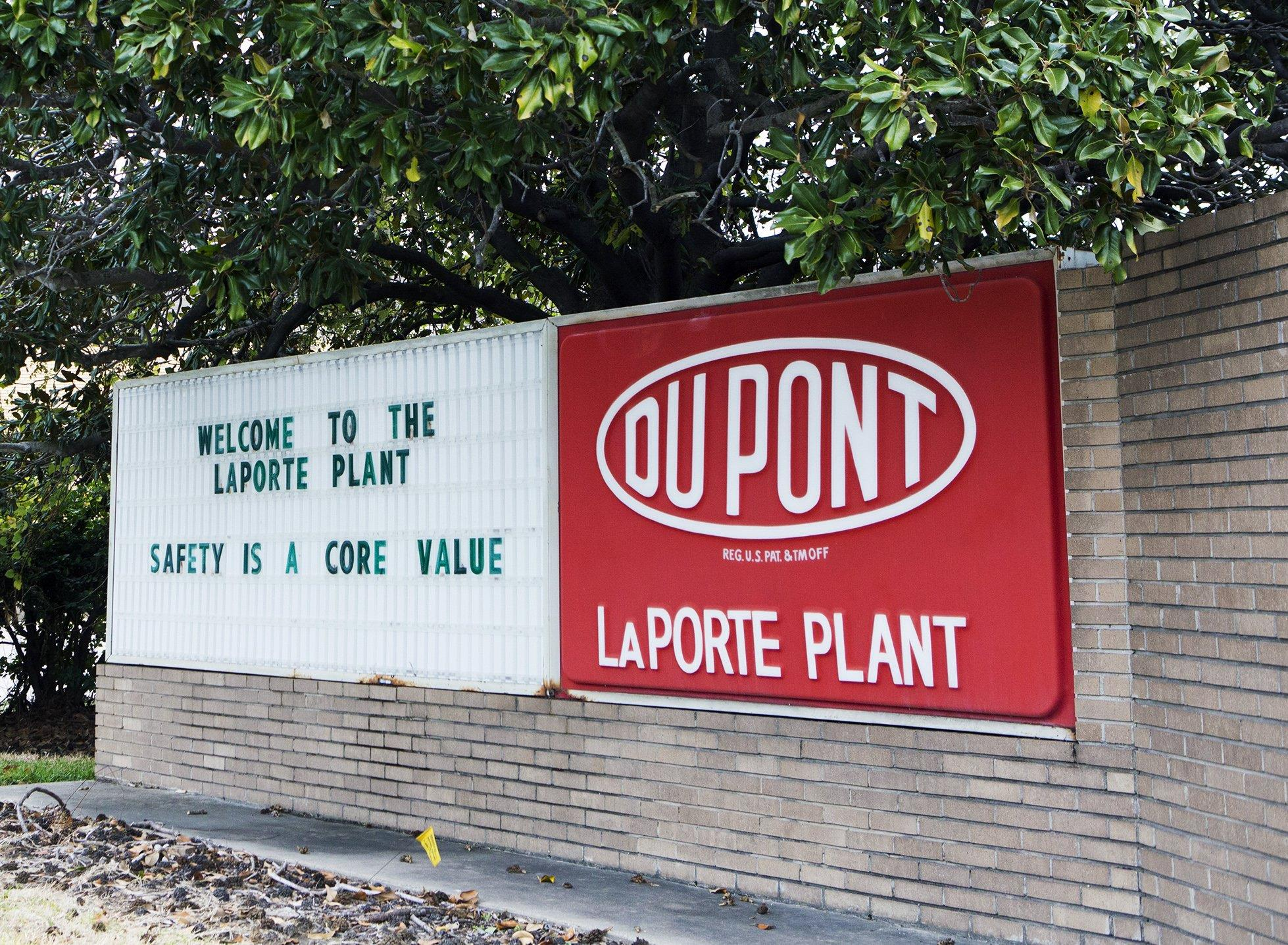 Father loses two sons in dupont chemical leak nbc news for La porte tx breaking news