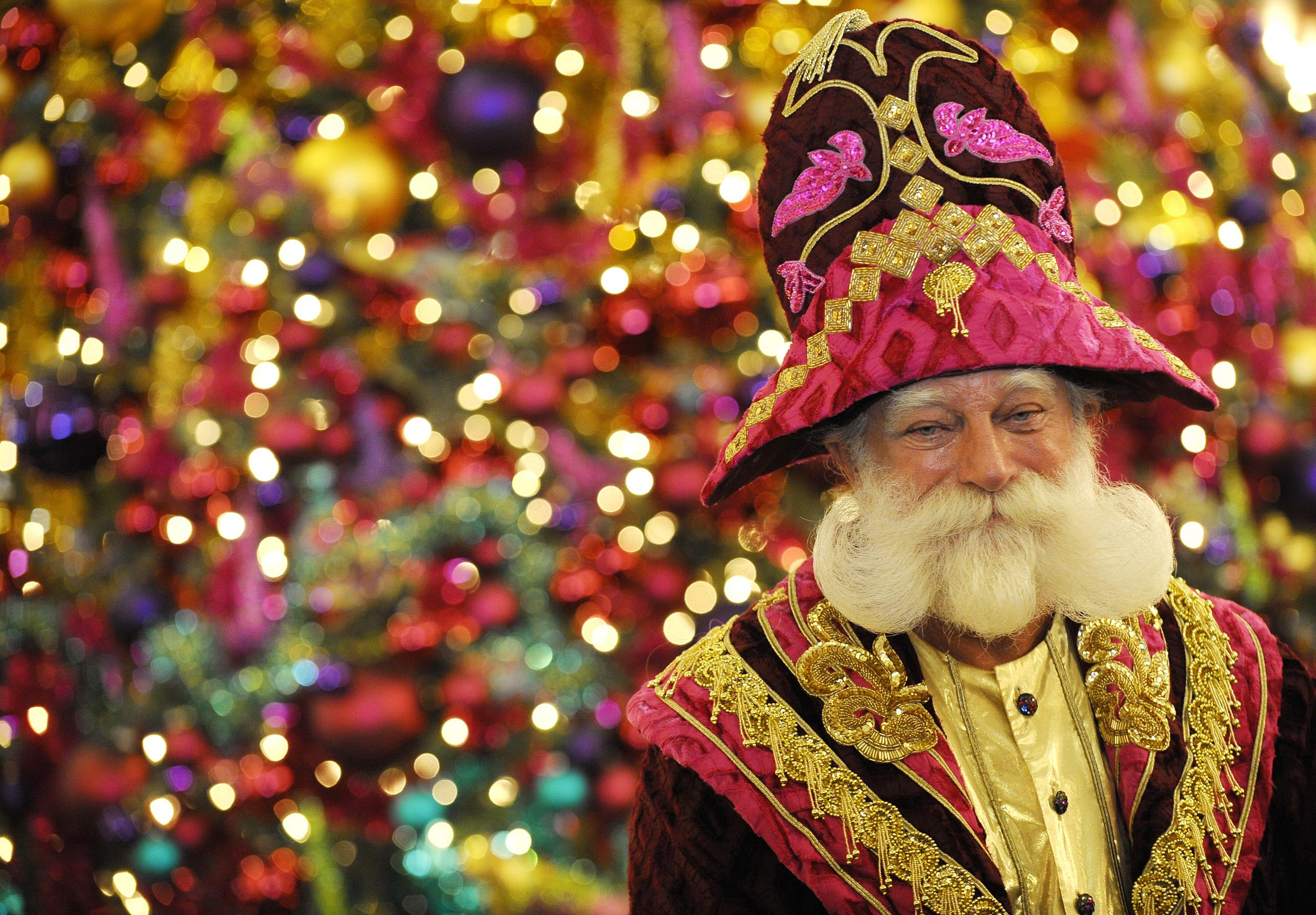 Well Known Santa Claus Peter Georgi Is Laid Off By Berlin Store
