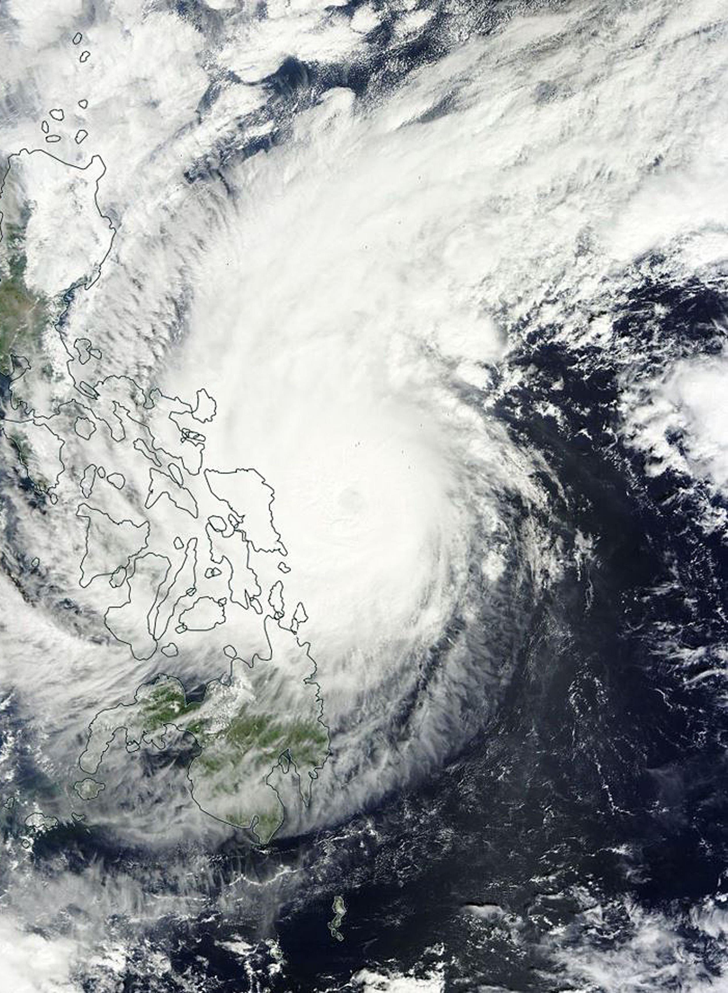 Typhoon Hagupit Makes Landfall In Philippines As 1 Million