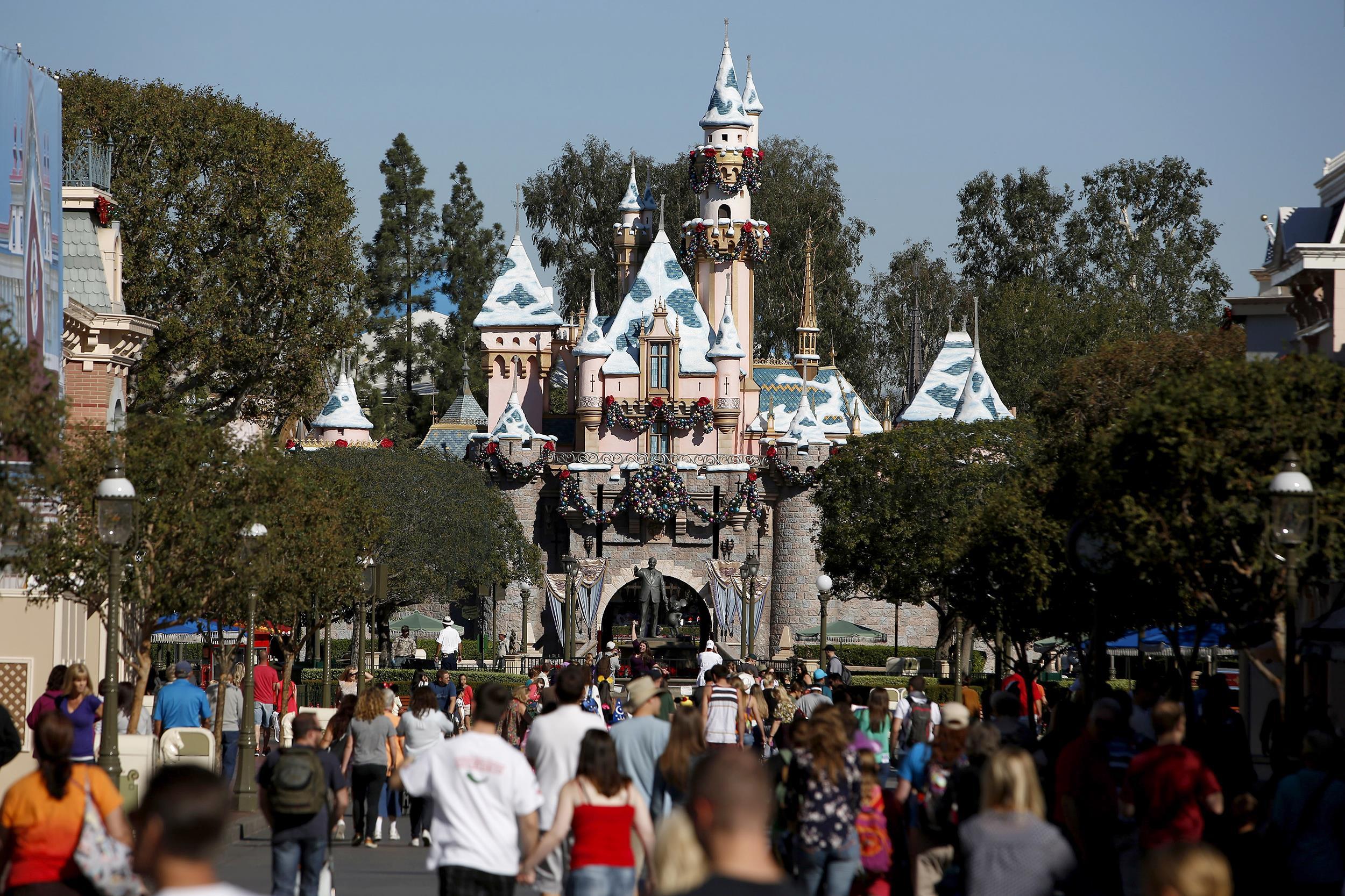 Man Visits Disneyland 2,000 Days in a Row