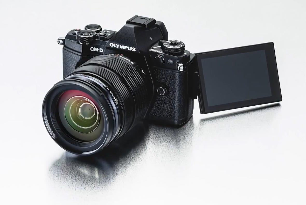 Olympus E-M5 II Camera Doubles Megapixels With Tech Trickery