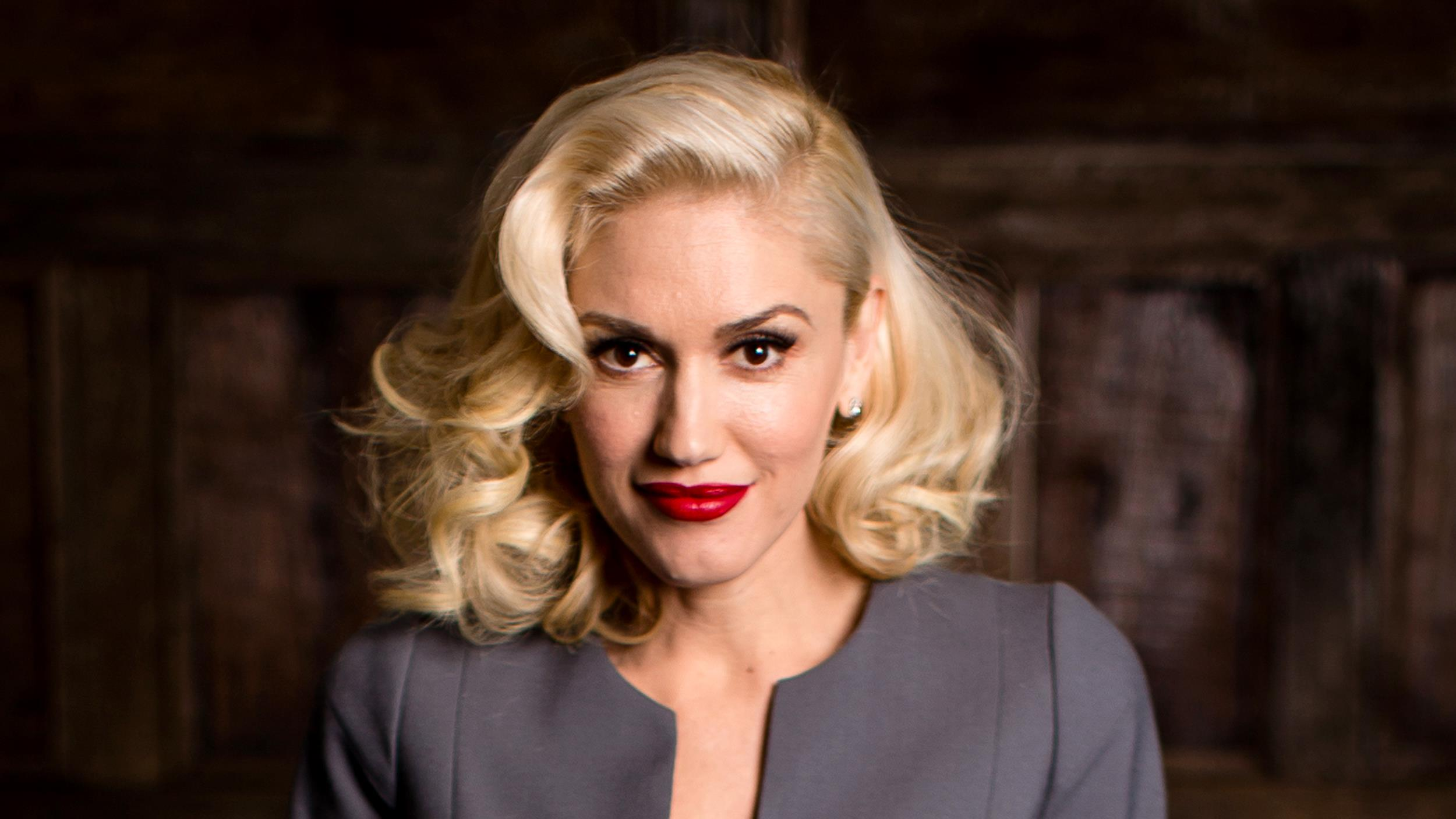 Gwen Stefani ditches red lipstick, shares makeup-free ... гвен стефани