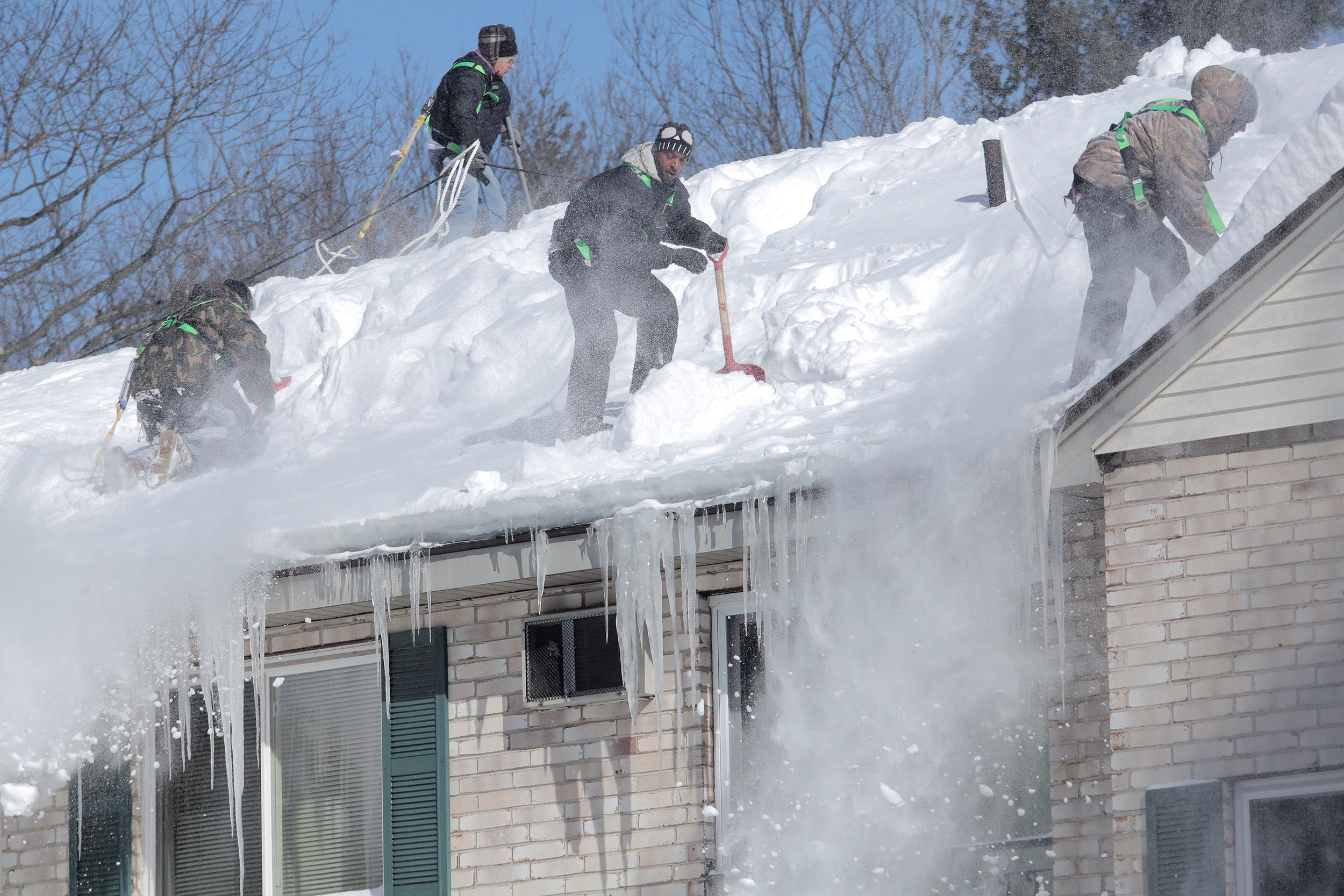 Roof Collapse In Heavy Snow Leaves Struggling Family