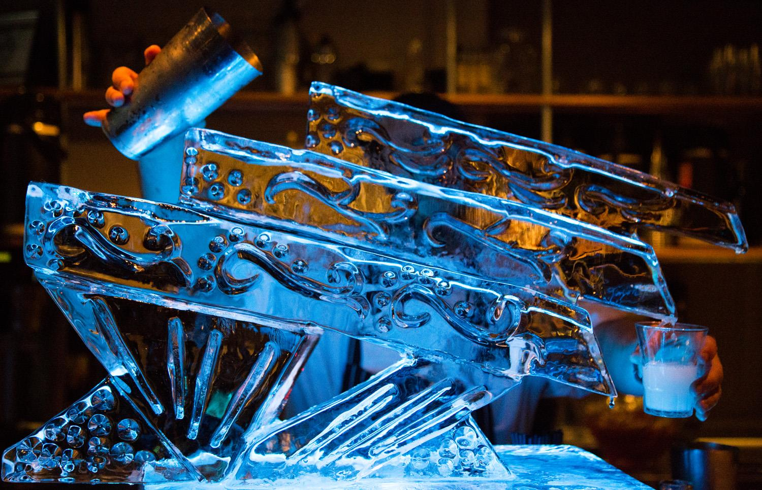 how to build an ice luge