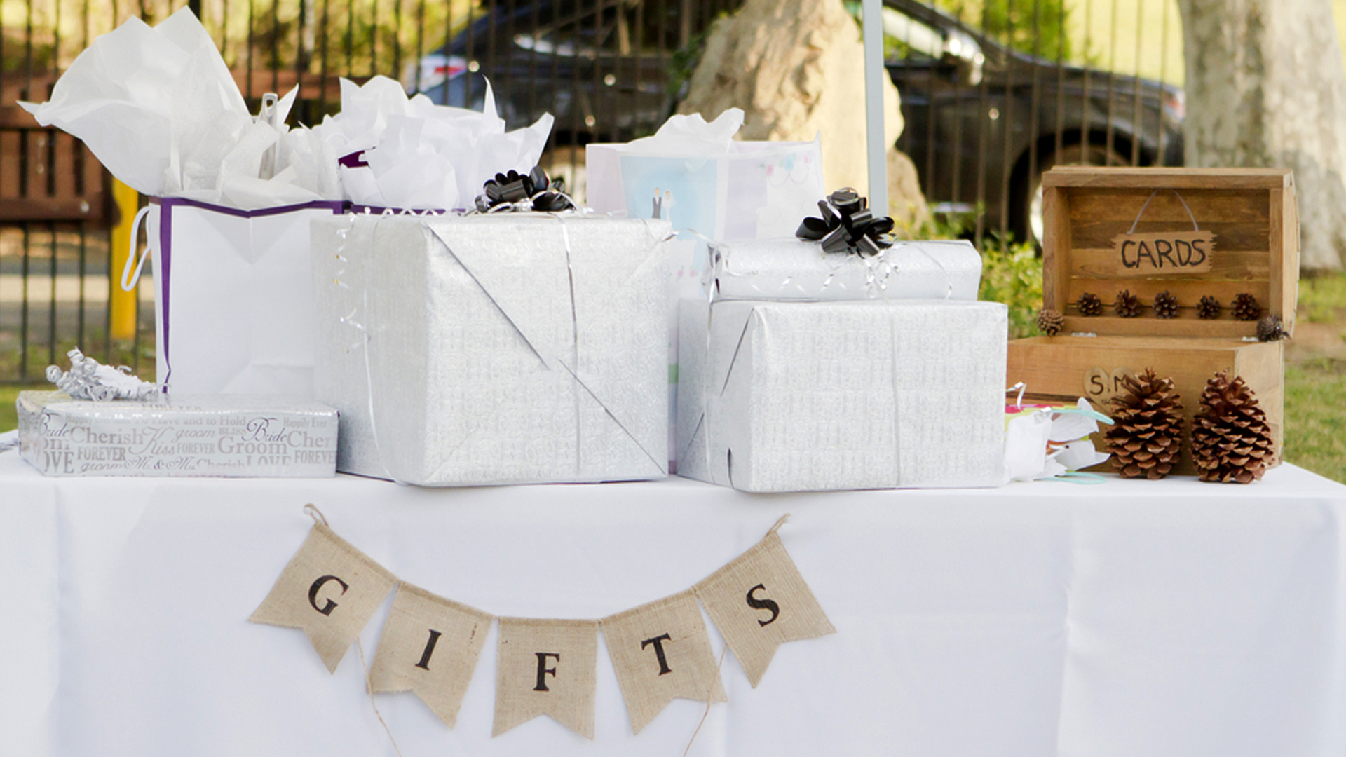 Wedding Reception Gift: 9 Things We Wish We'd Known Before Registering For Wedding