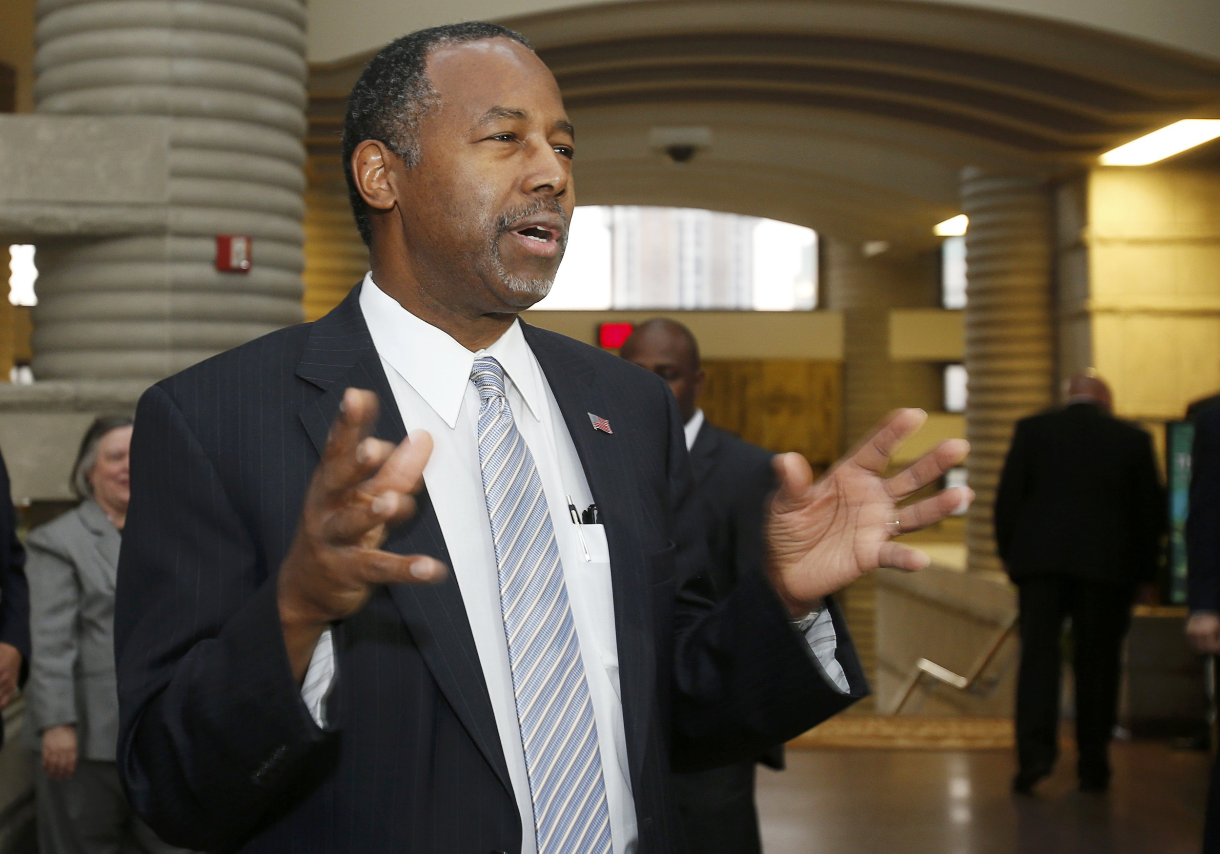 Image: Repubican presidental candidate Ben Carson speaks to the media at the Charles H. Wright Museum of African American History in Detroit