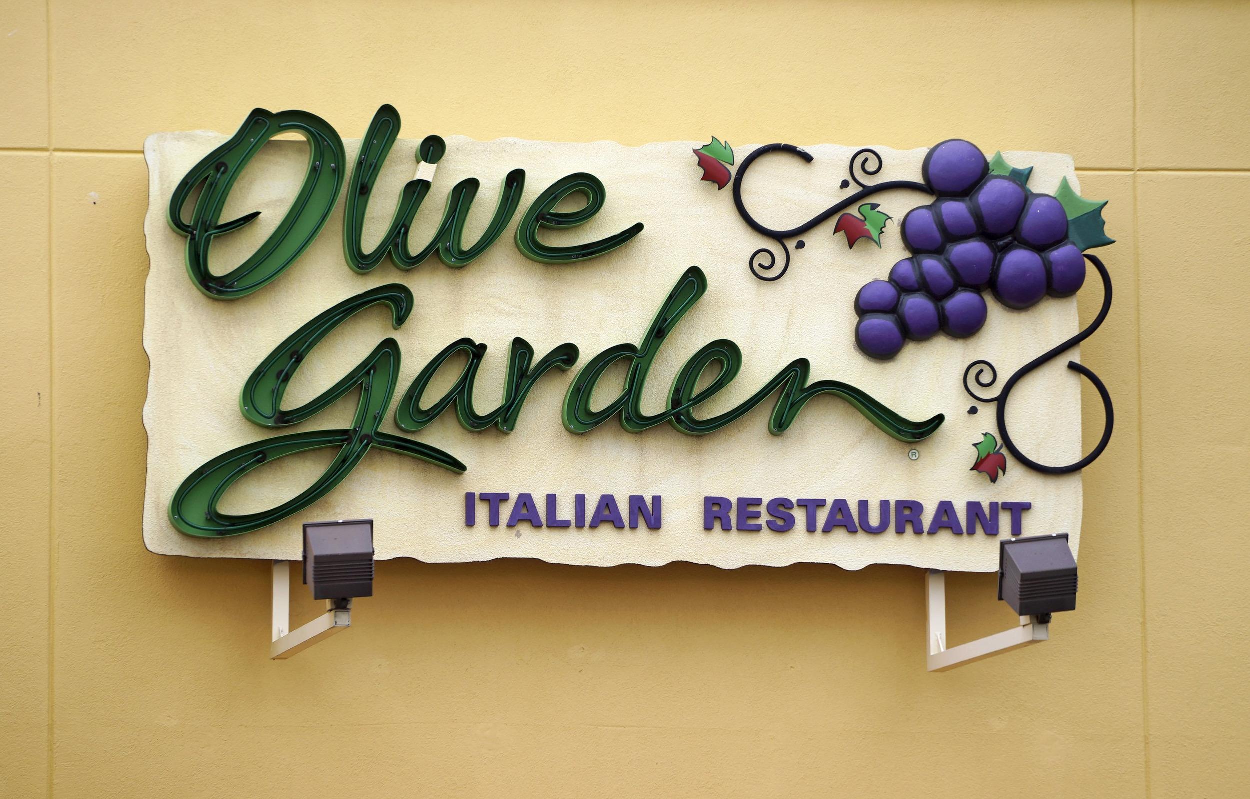 Olive Garden 39 S Latest Plan 39 Breadstick Sandwiches 39 15 Minute News