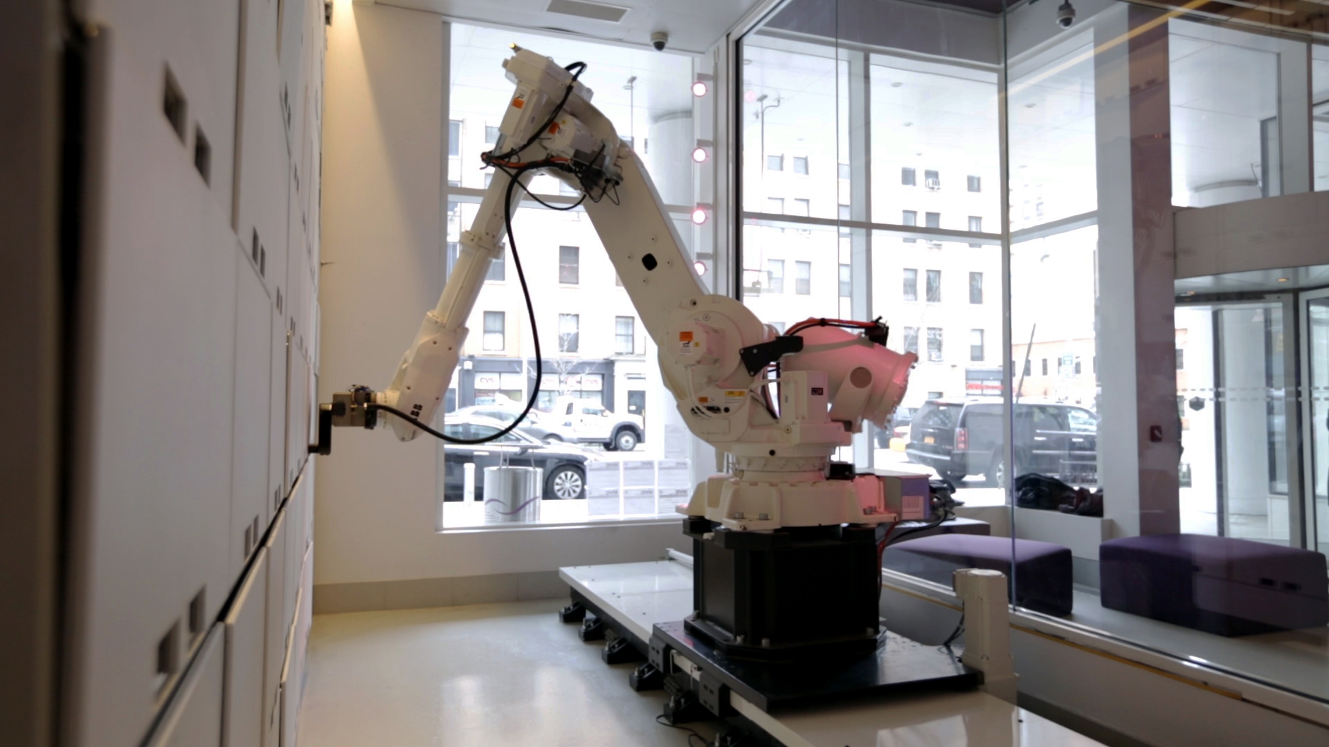 Robot Valet Manhattan Hotel Gets An Automated Helper