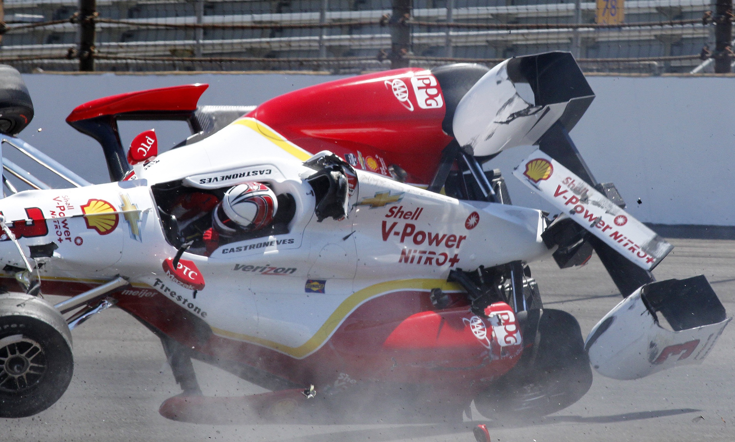 How Many Car Crashes At The  Indy