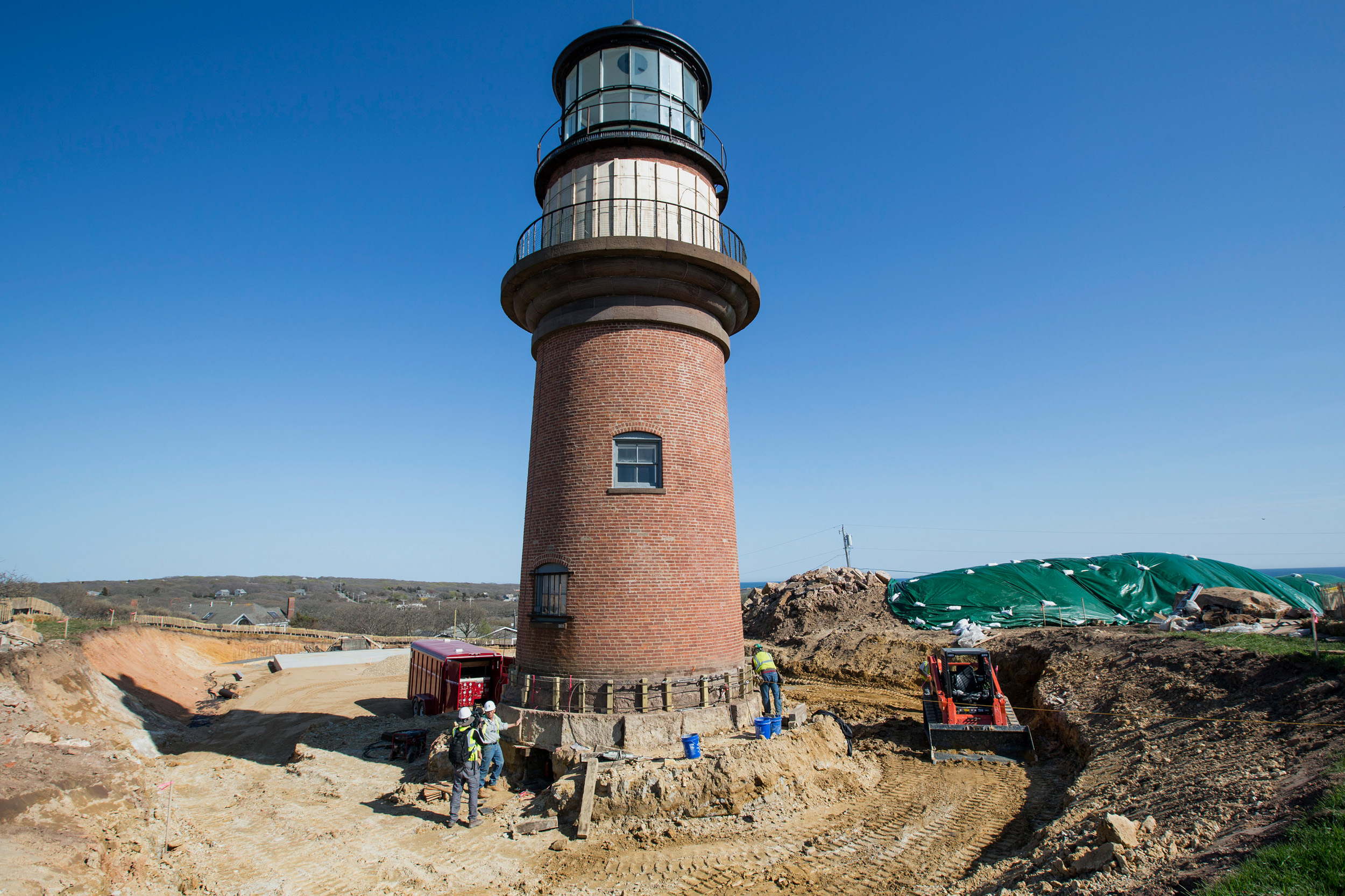 Aquinnah restaurant, iconic gay head property, goes on the market