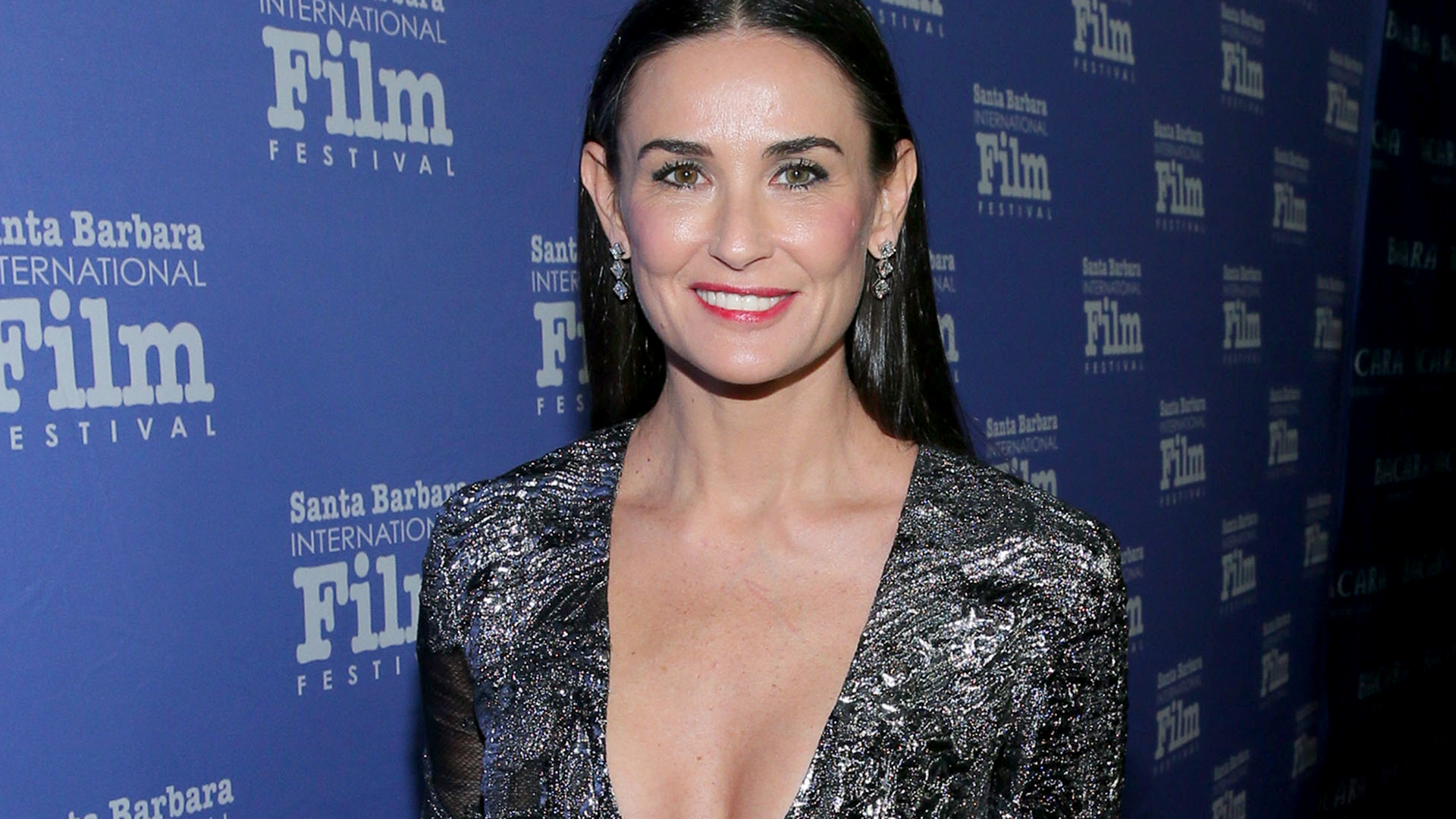 Cabinets Demi Moore And Daughter Rumer Willis Look Identical In
