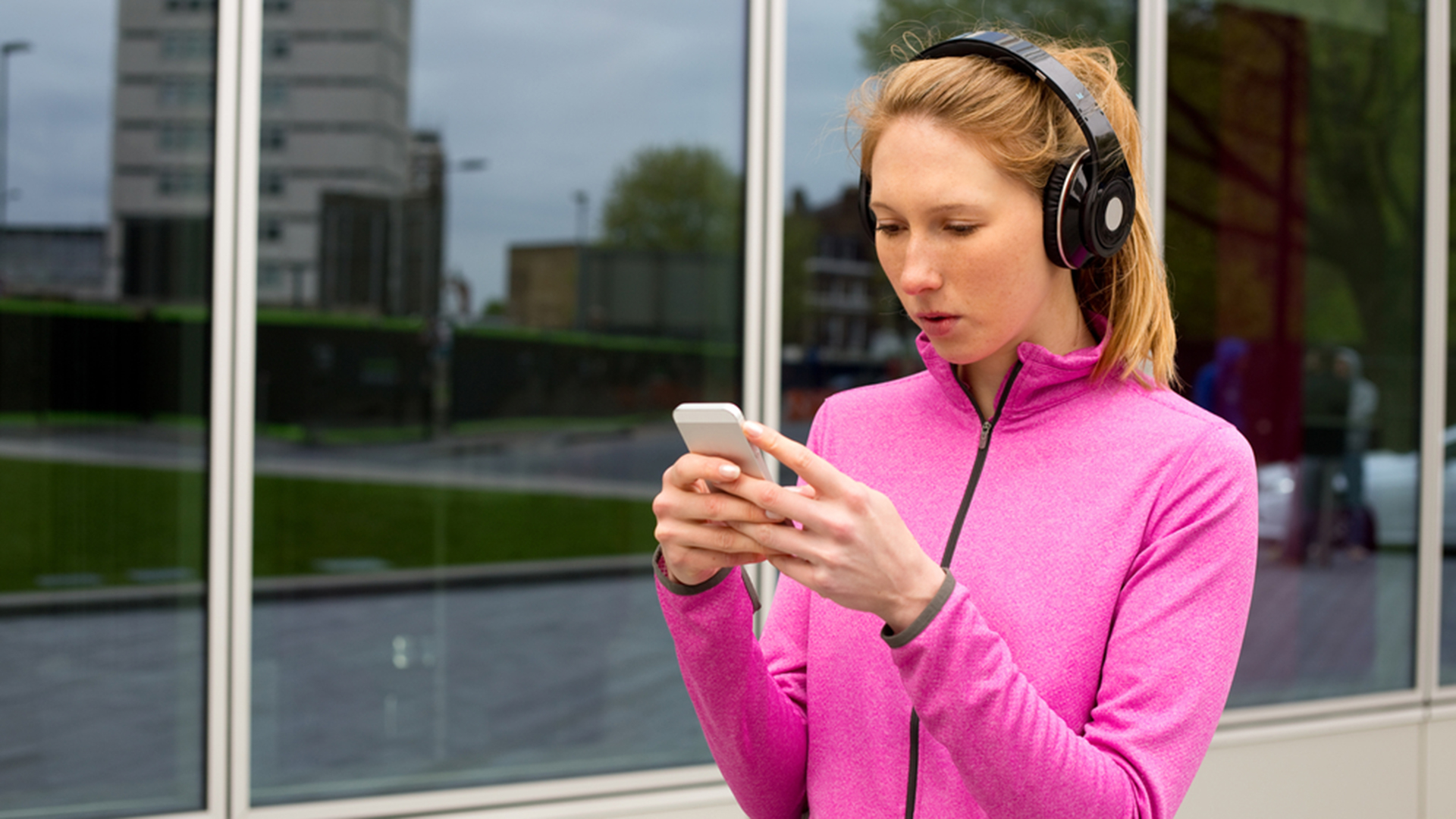 How To Prevent Smartphone Use From Causing Hand Pain