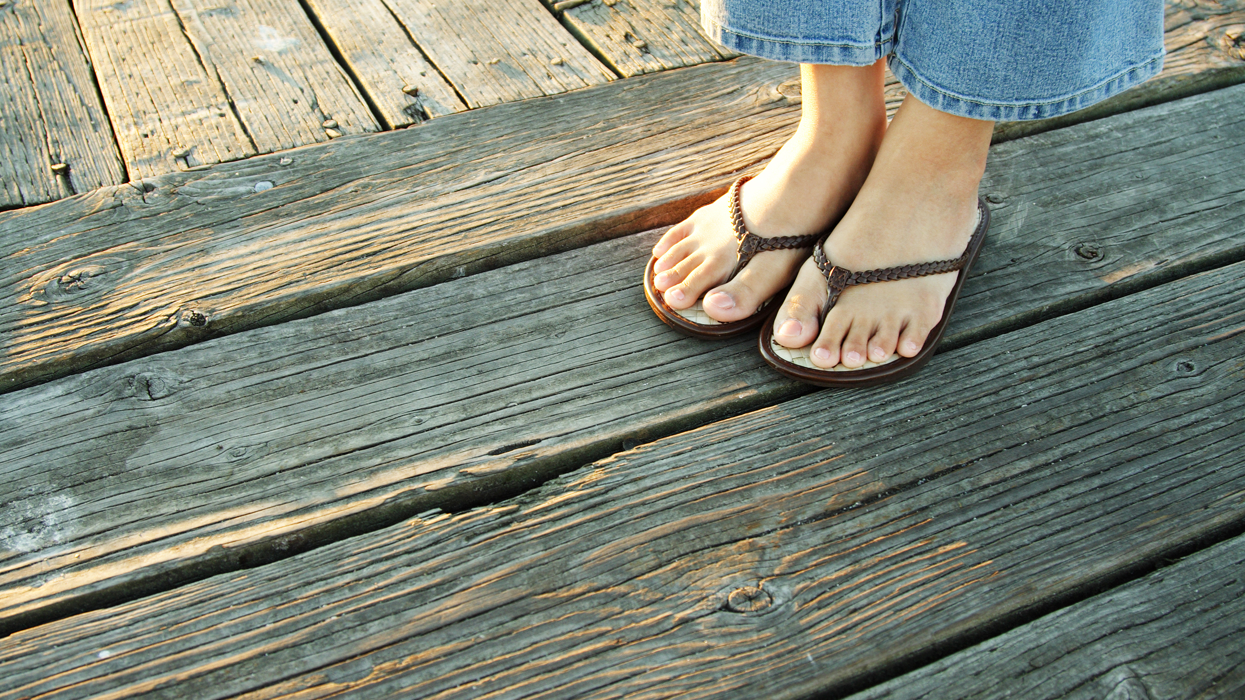 Here S How To Wear Flip Flops Without Ruining Your Feet