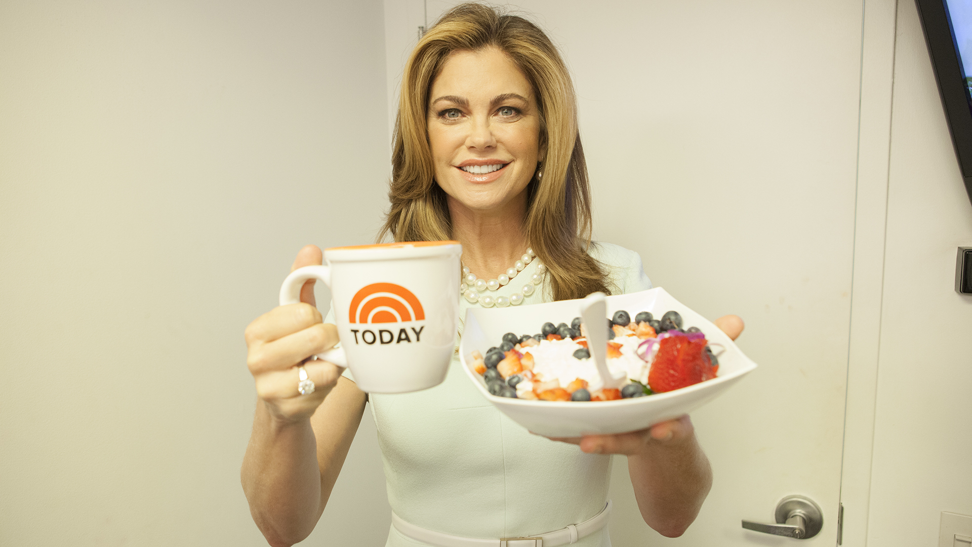 Kathy Ireland S Breakfast And What She Eats When She S