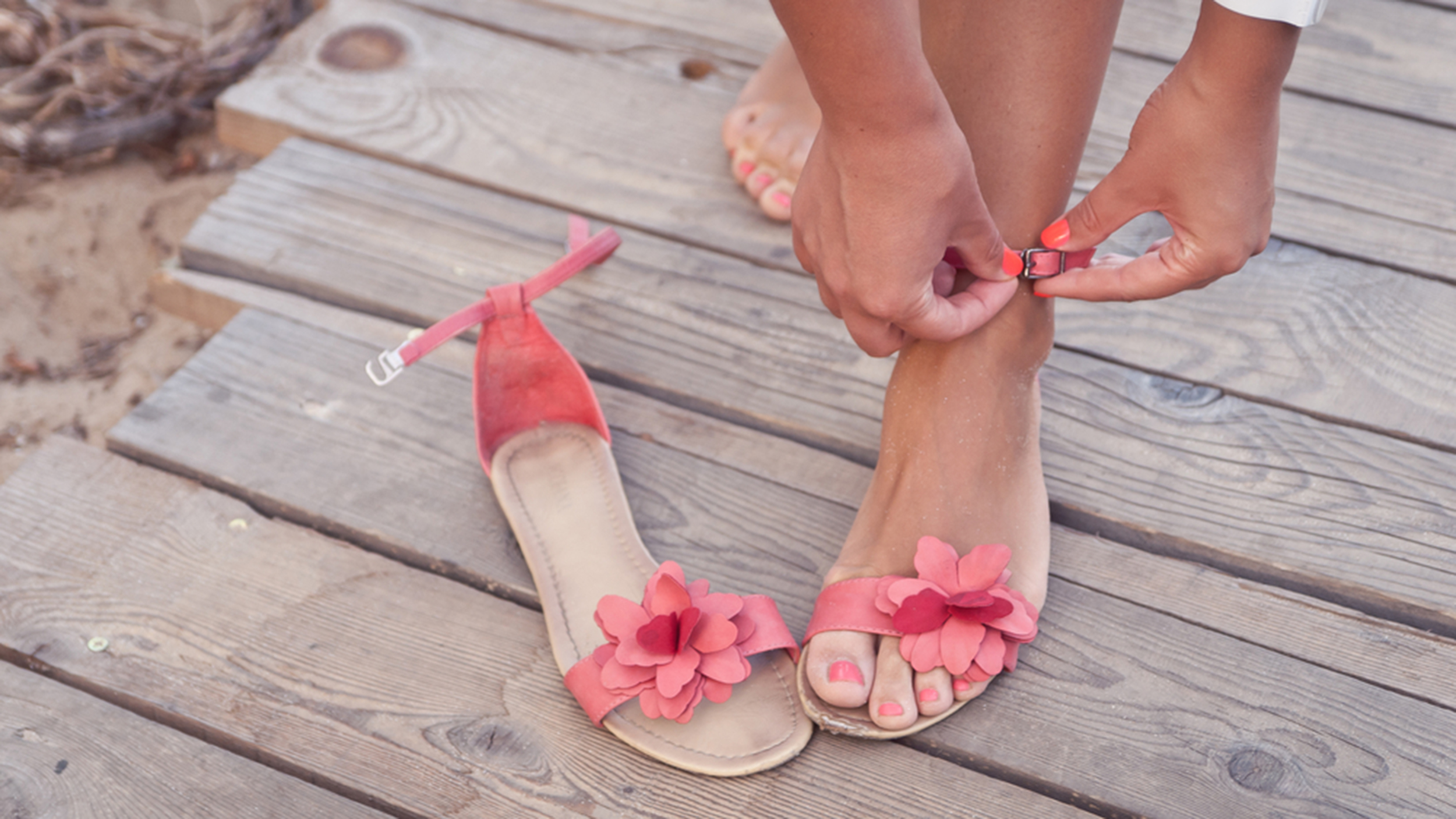 Save Your Soles 11 Chic And Comfortable Sandals For