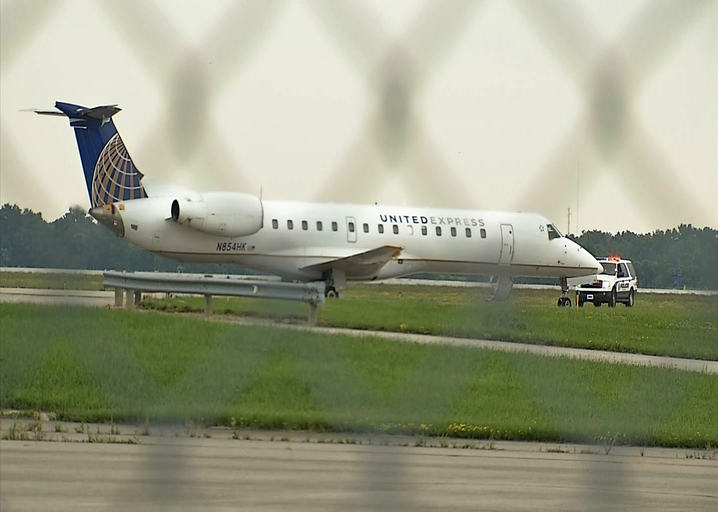United Flight Diverted to Ohio After Passenger Makes Threats