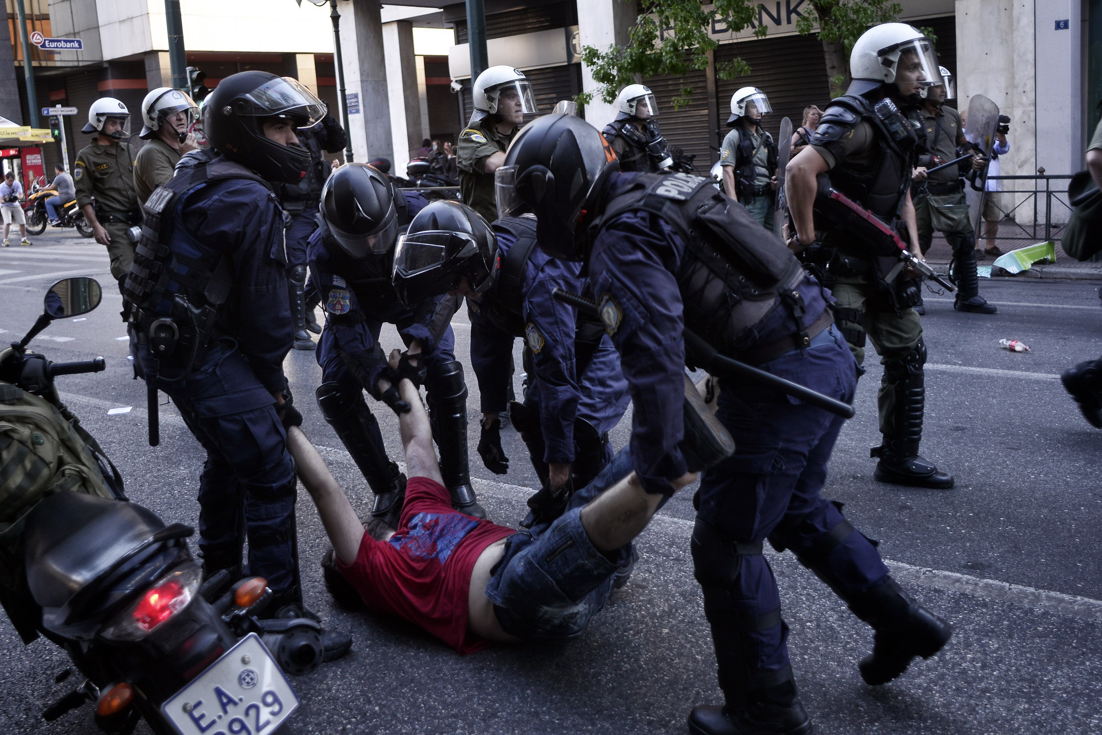 Police Use Stun Grenades on Greek Protesters Before Vote