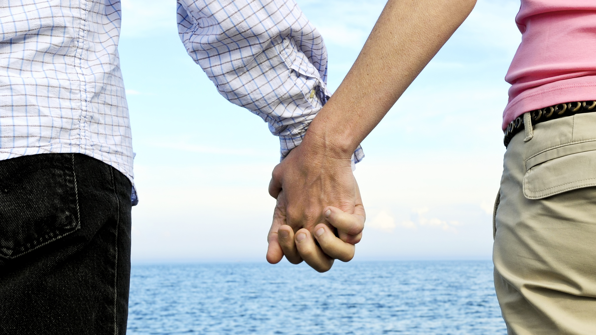 holding hands while not dating If not sex, what can i do when he started dating his now wife he described how hugs and holding hands became almost meaningless in such relationships.