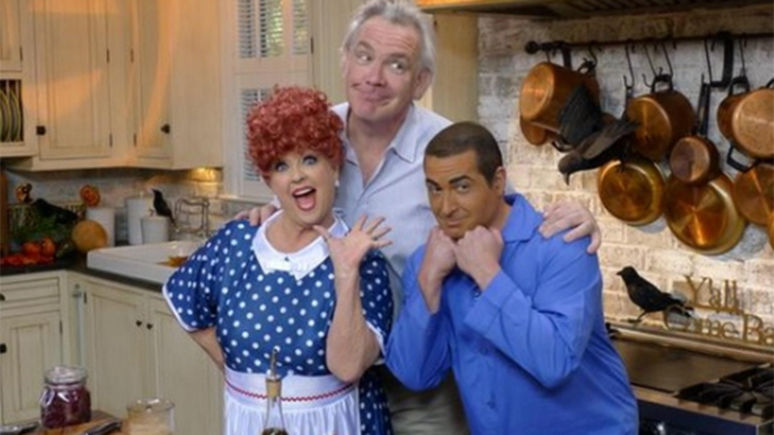 Paula Deen draws heat over photo of son Bobby in brownface