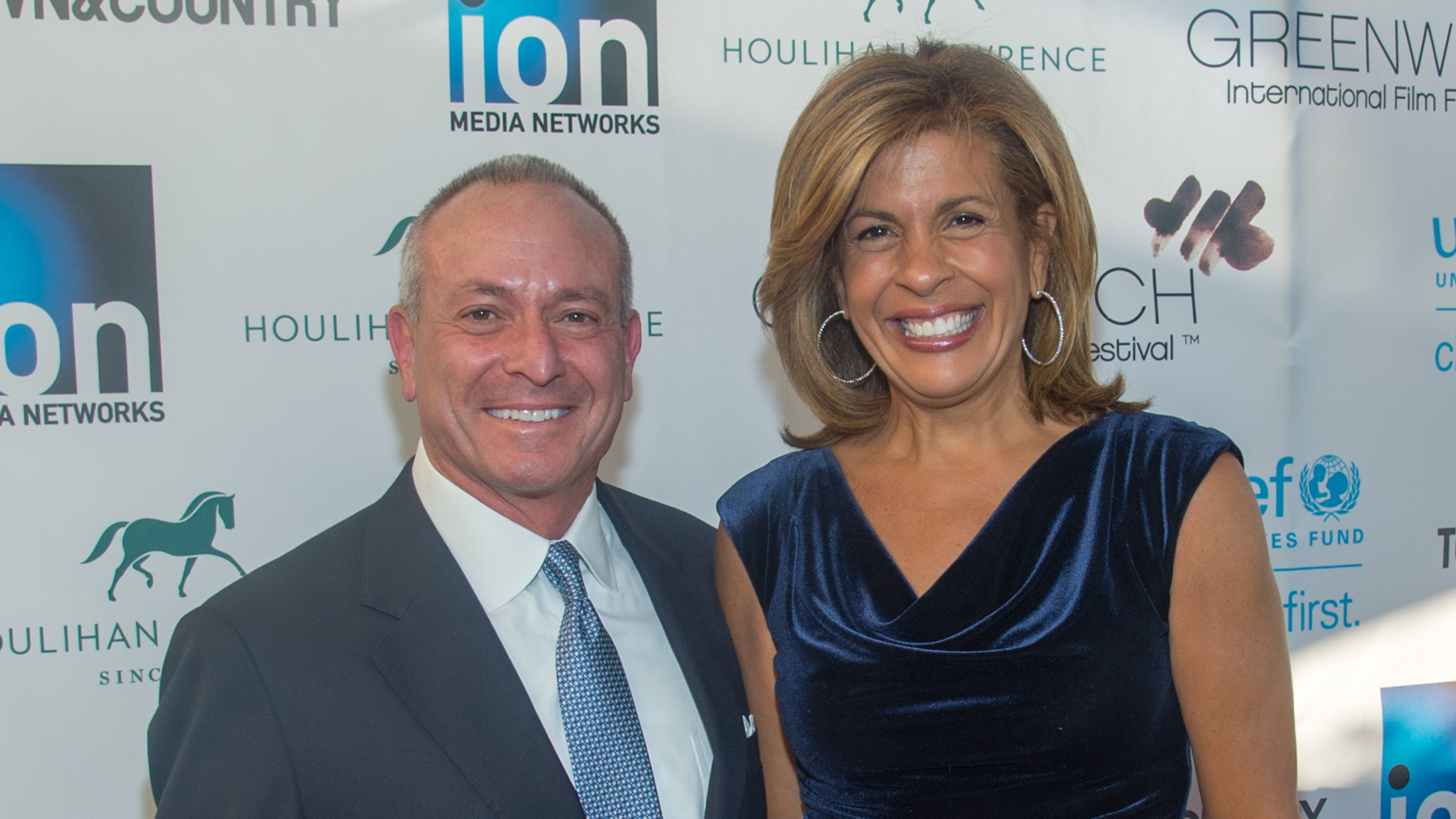 Who is hoda dating
