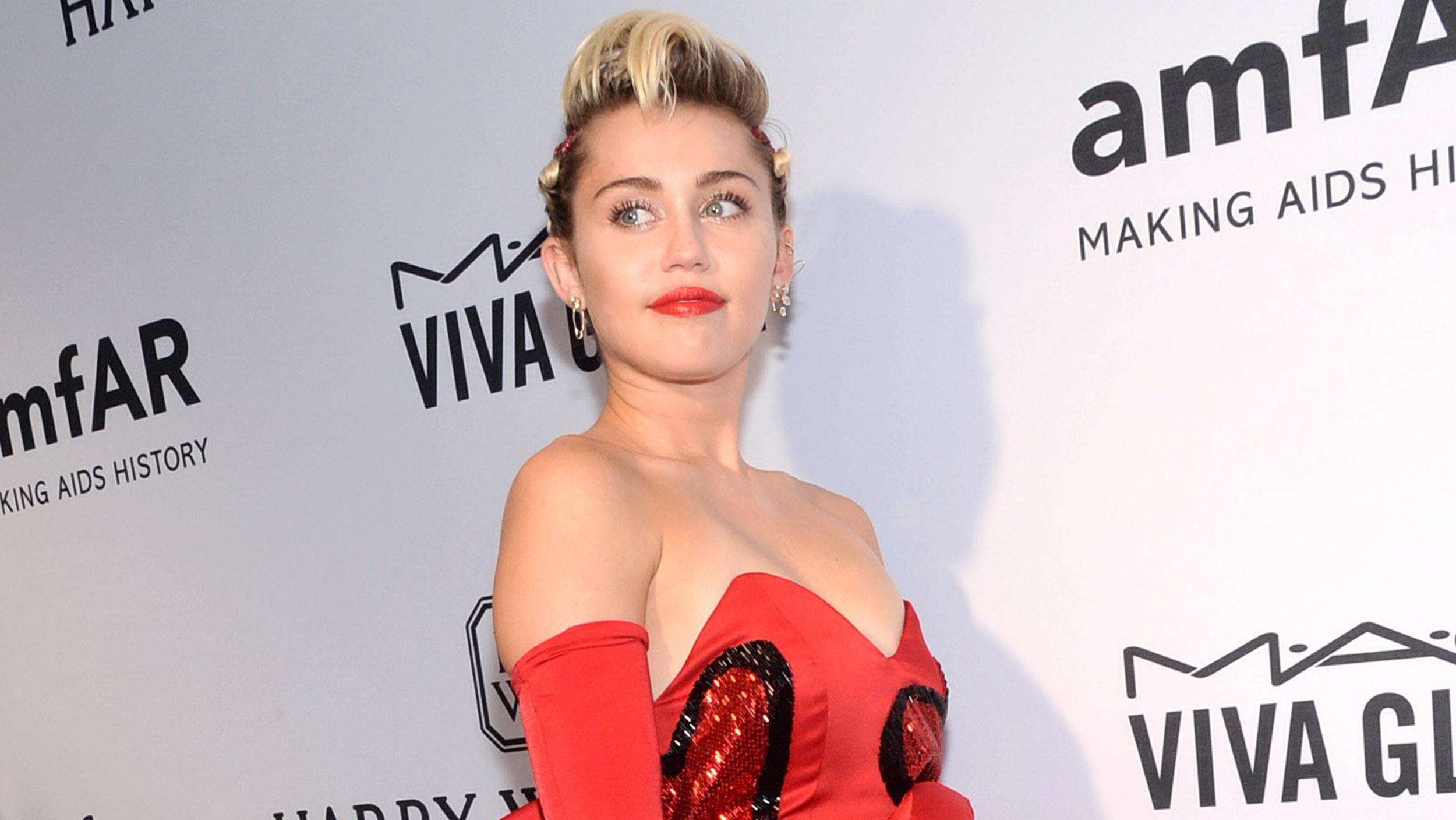 MTV VMAs' Most Memorable Moments recommend