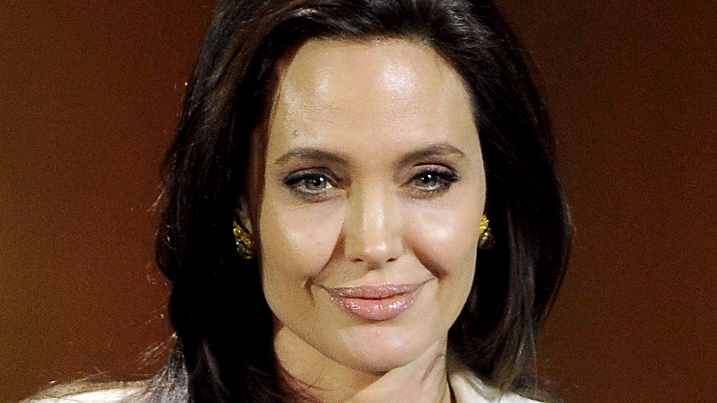 Angelina Jolie News: Angelina Jolie To Work With Son Maddox In New Film For