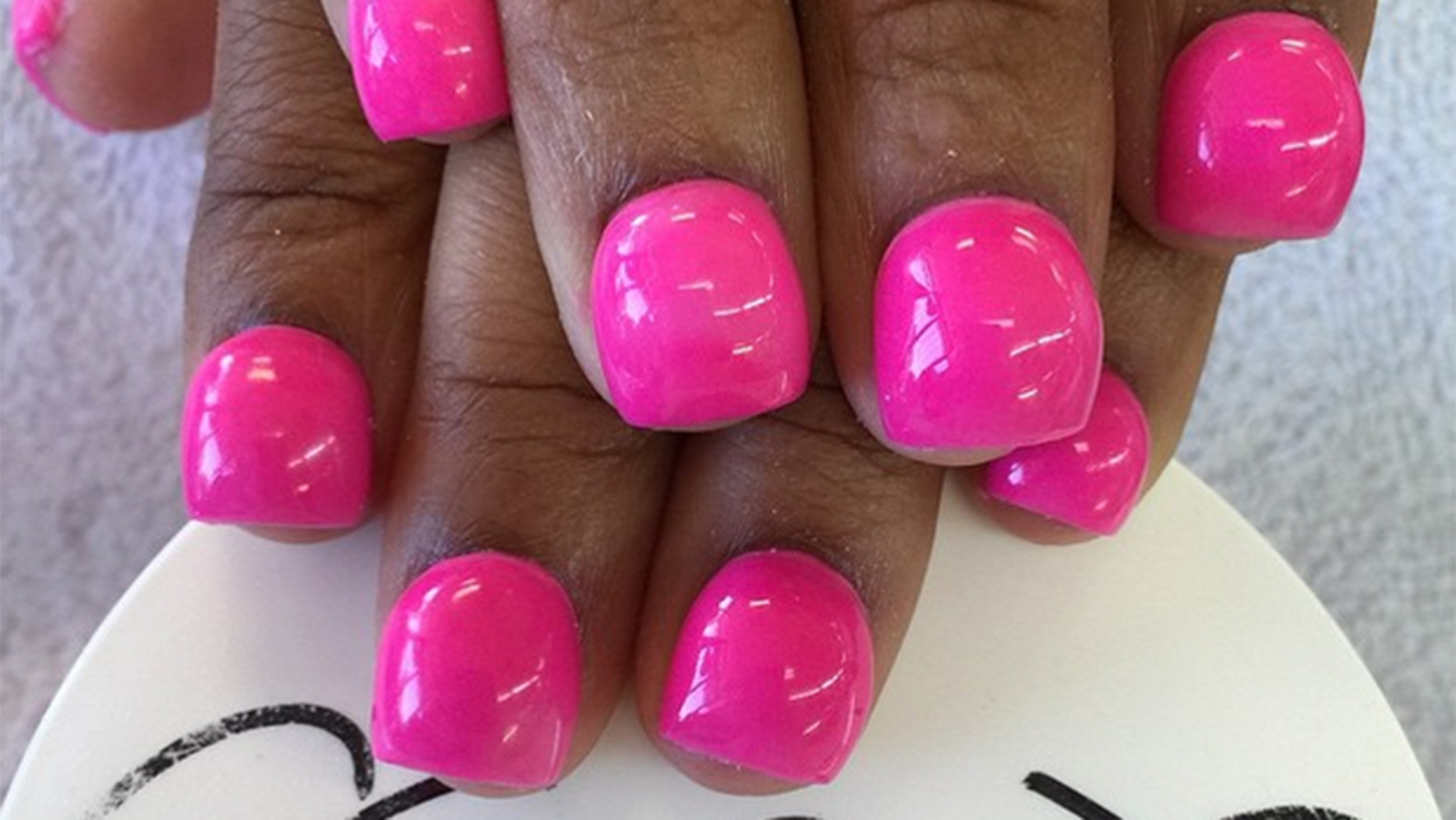 Bubble nails: The new trend that\'s taking over the Internet