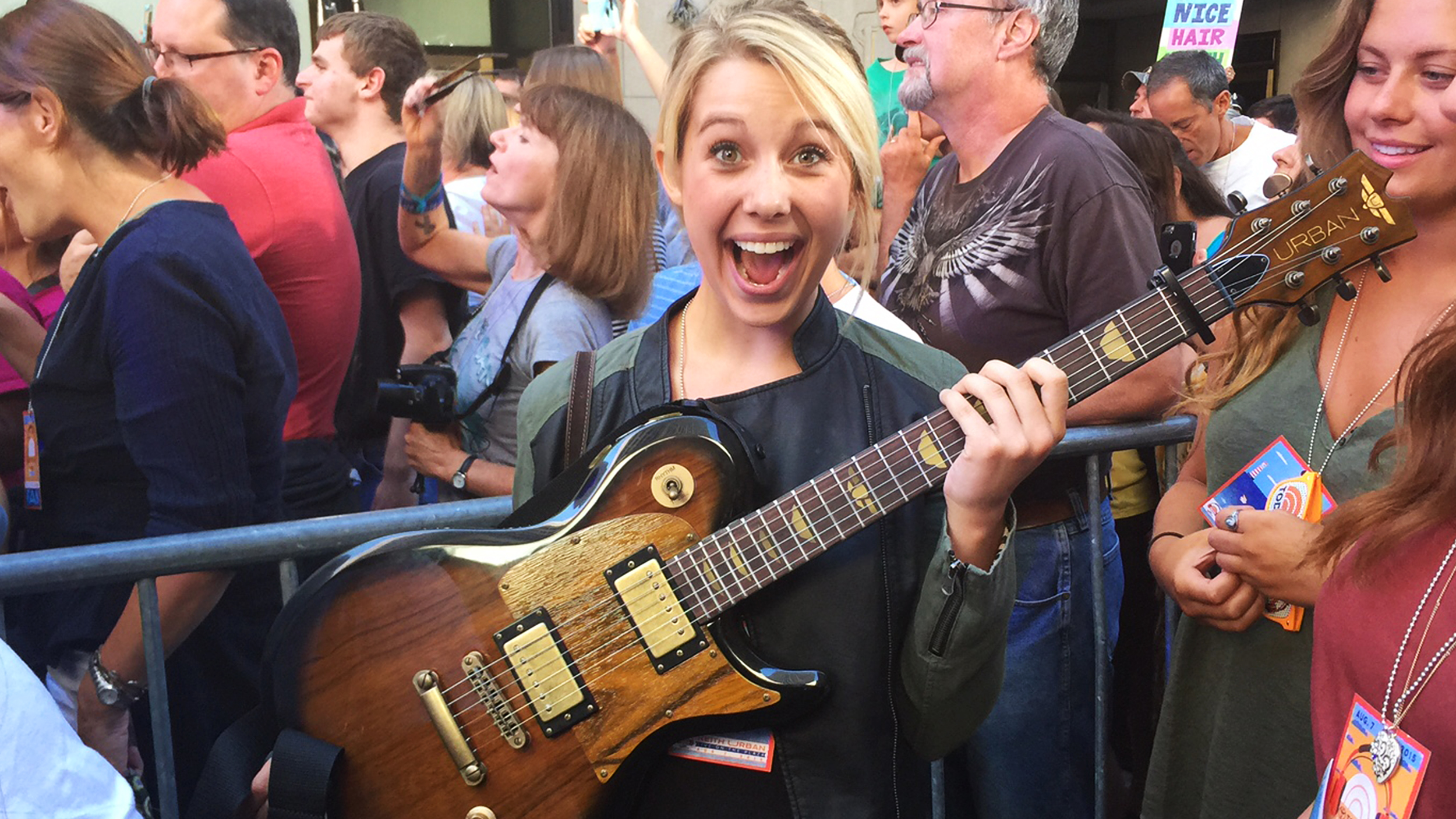Keith Urban Stuns Fan By Giving Her His Guitar On Today
