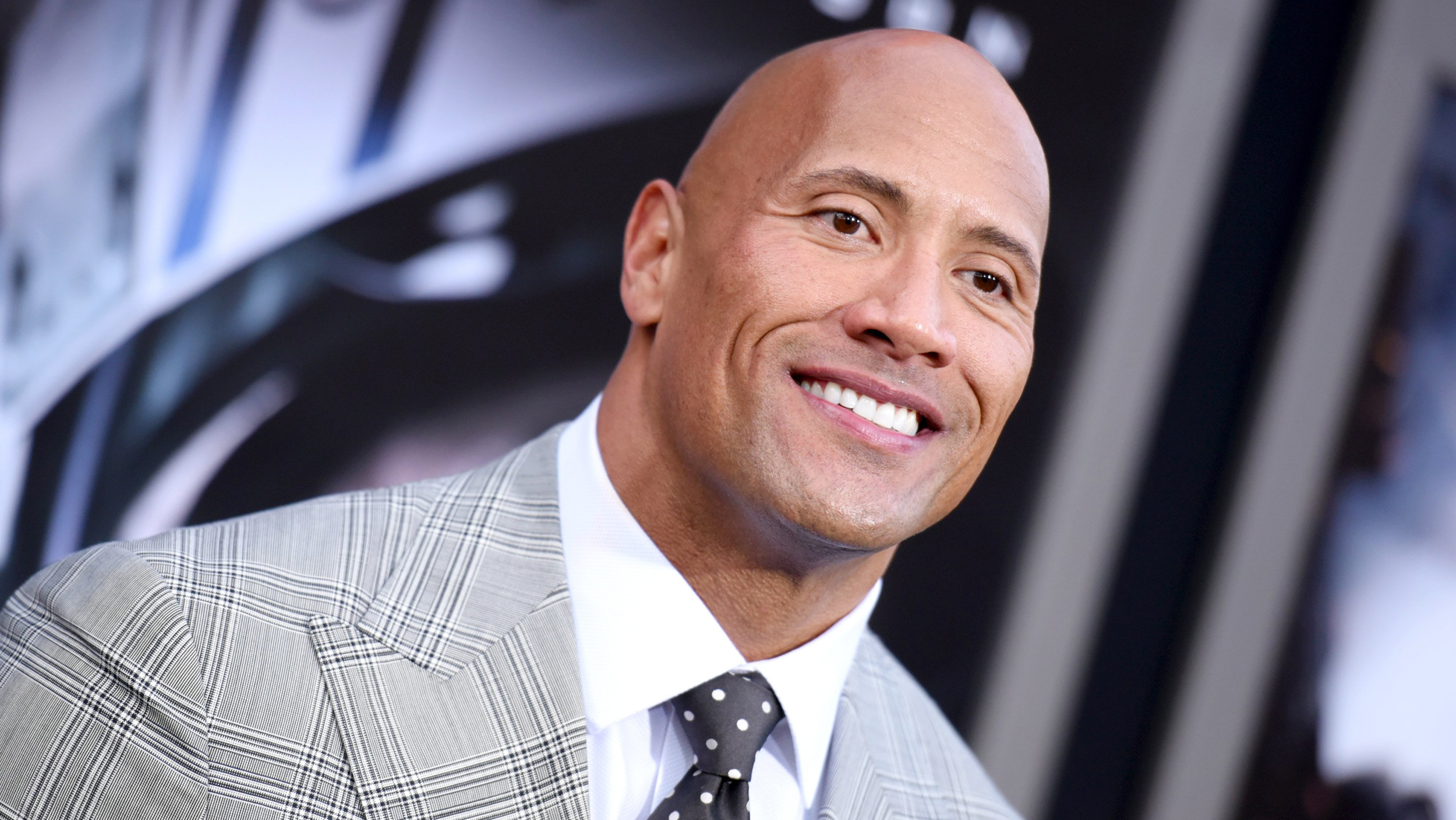 photo Dwayne The Rock Johnson Shared the Sweetest First Photo of His New Daughter