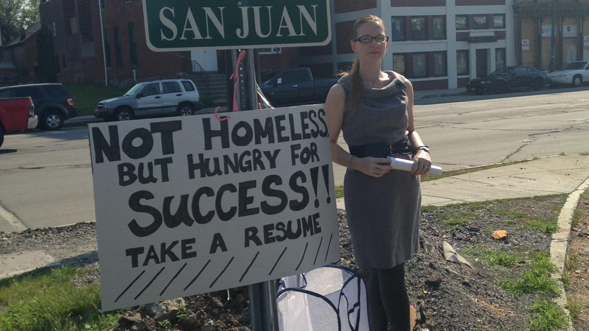 w who handed out resumes on street corner lands job com