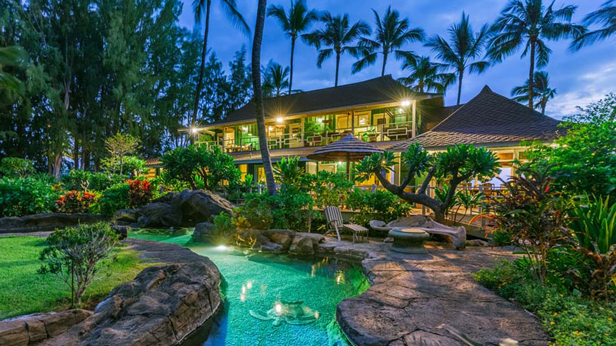 Neil young 39 s hawaiian haven is for sale peek inside for Hawaii home builders