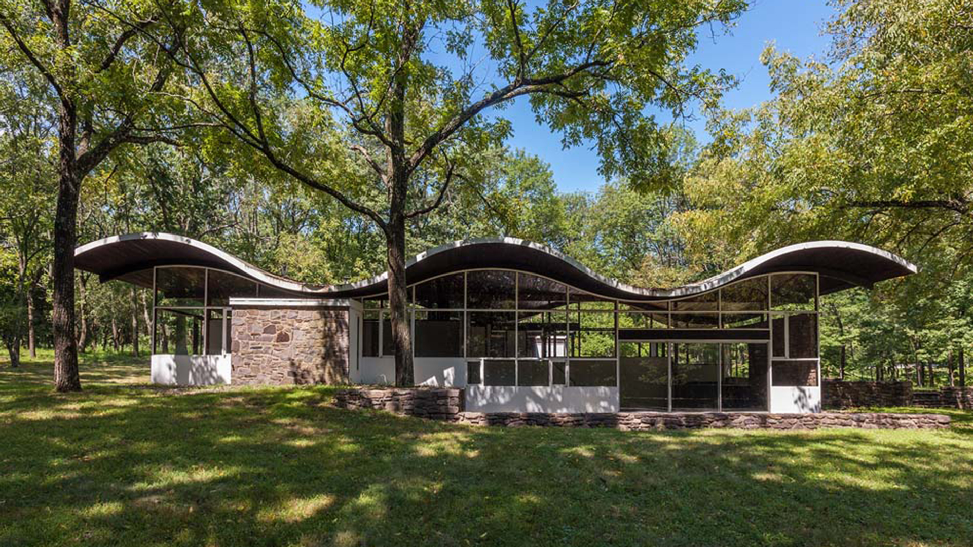 39 it has a lot of incredible vibes to it 39 go inside this for Modern house zillow