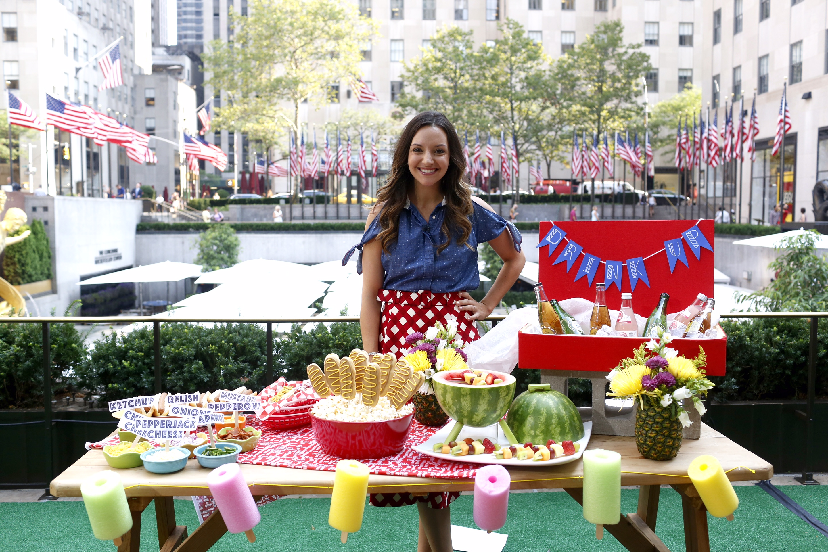 brit morin shares 9 diy labor day party ideas. Black Bedroom Furniture Sets. Home Design Ideas