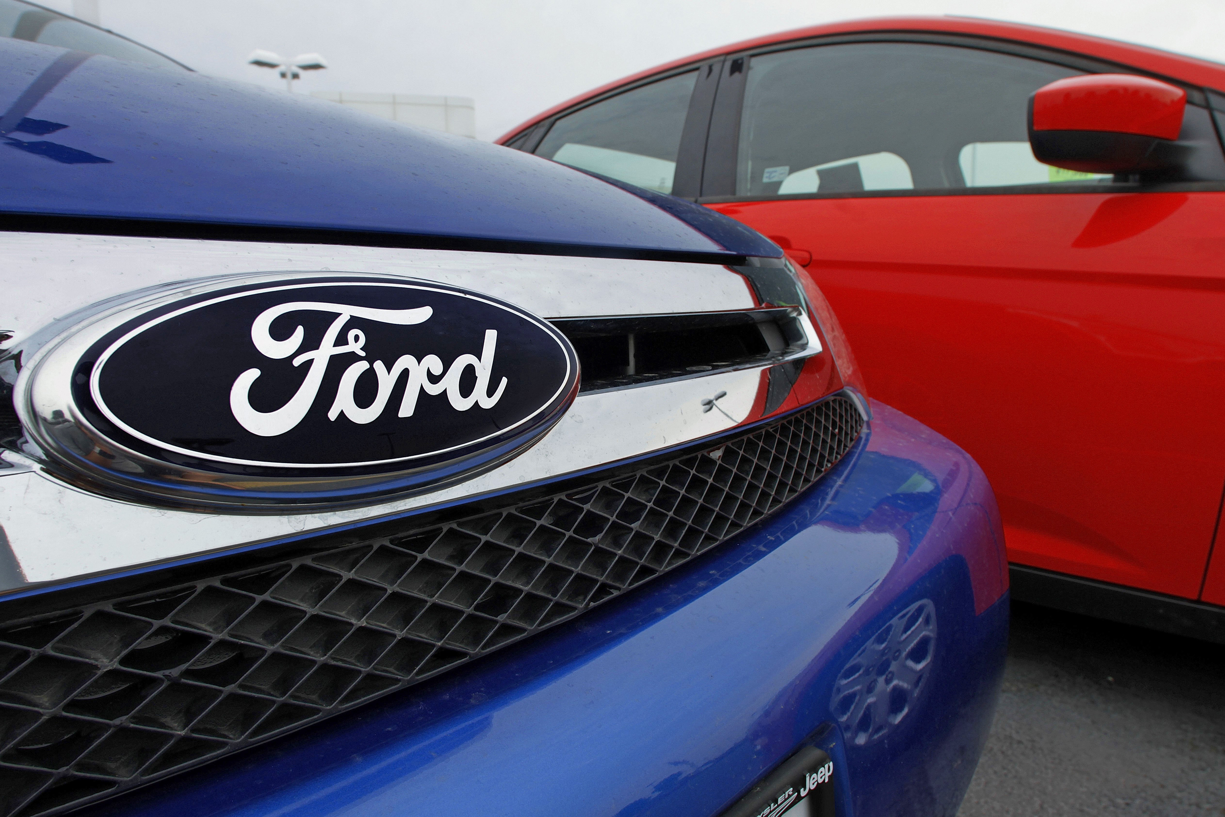Ford uaw reach tentative contract agreement 15 minute news for Ford motor company news headlines