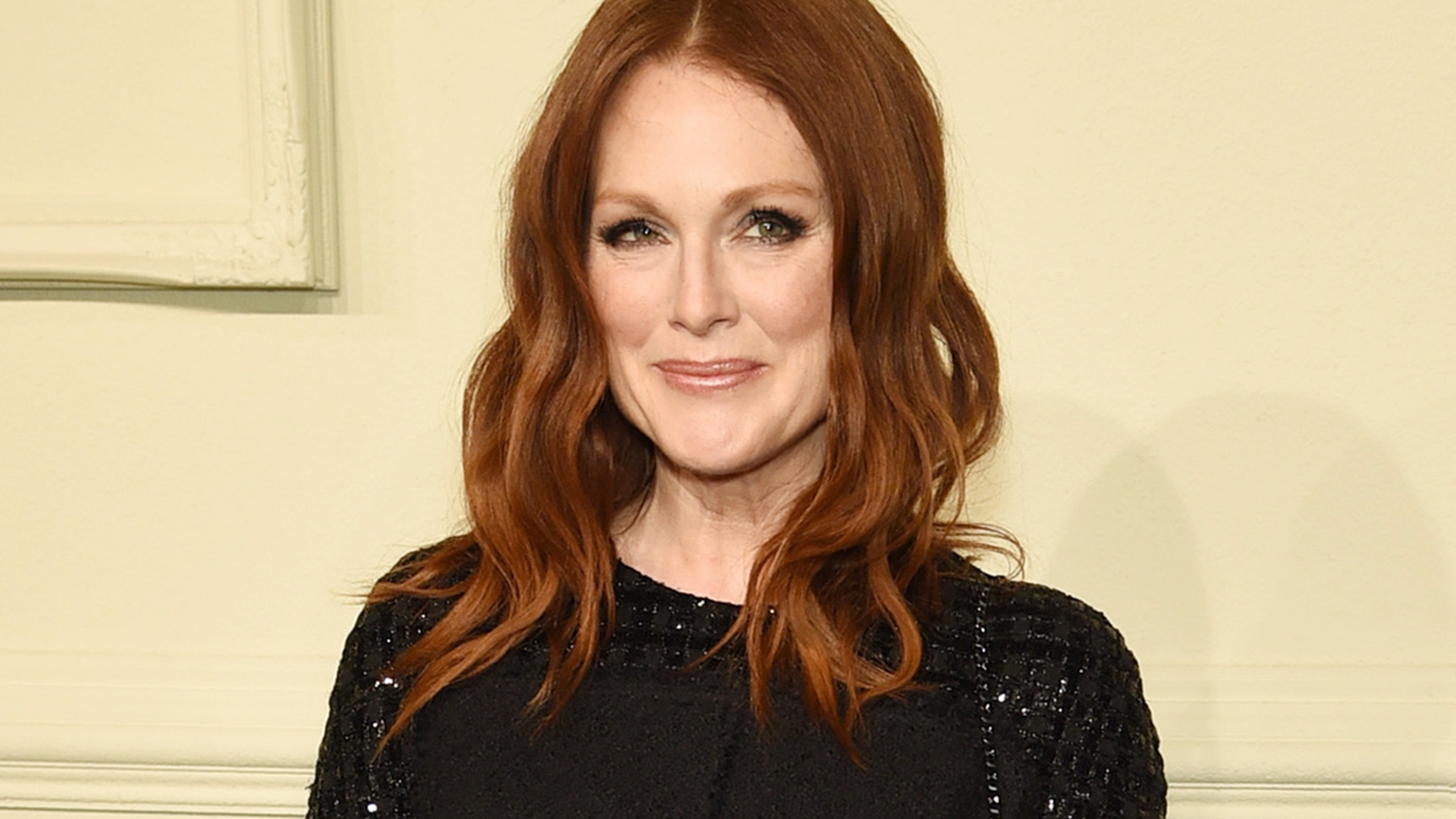 Julianne Moore Opens Up About Raising Teenage Son And