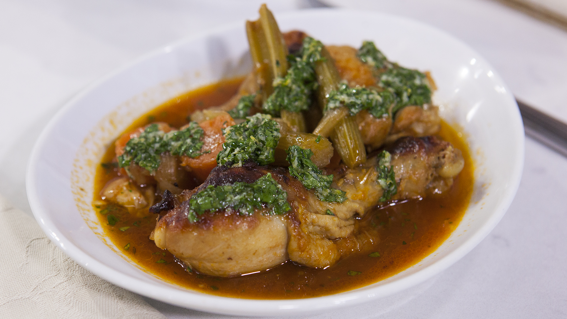 how to cut osso bucco