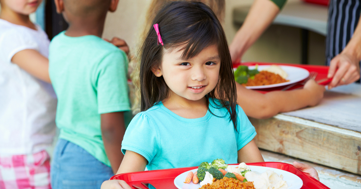 time to eat school lunch essay Are healthy school lunch programs a  the new findings provide evidence that offering kids enough time to sit down and eat may ensure that they will eat healthier.