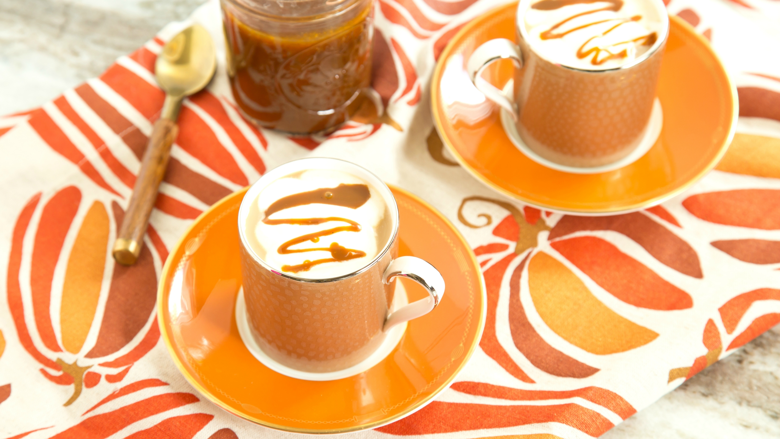 Make Starbucks-style pumpkin spice latte — with real pumpkin ...