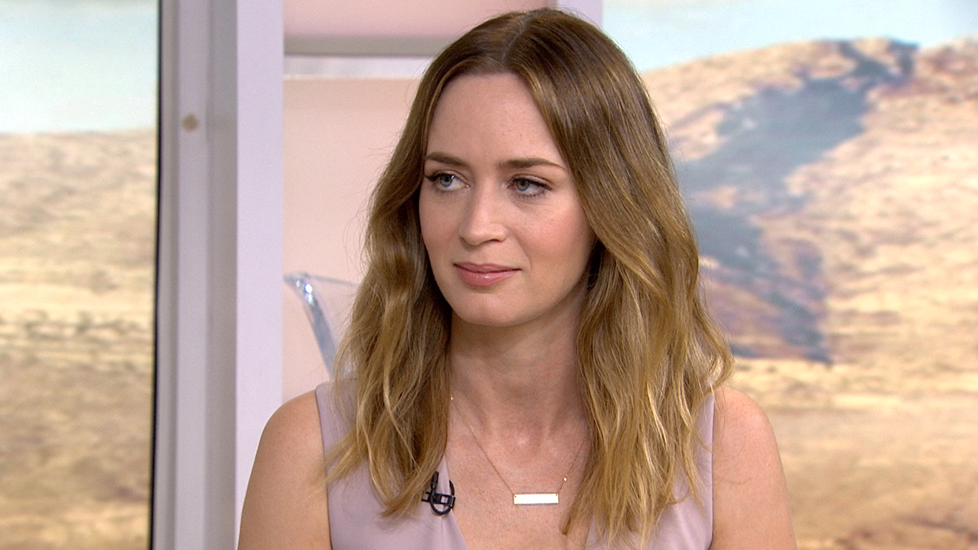 Emily Blunt emily blunt gets serious about political citizenship joke ... Emily Blunt