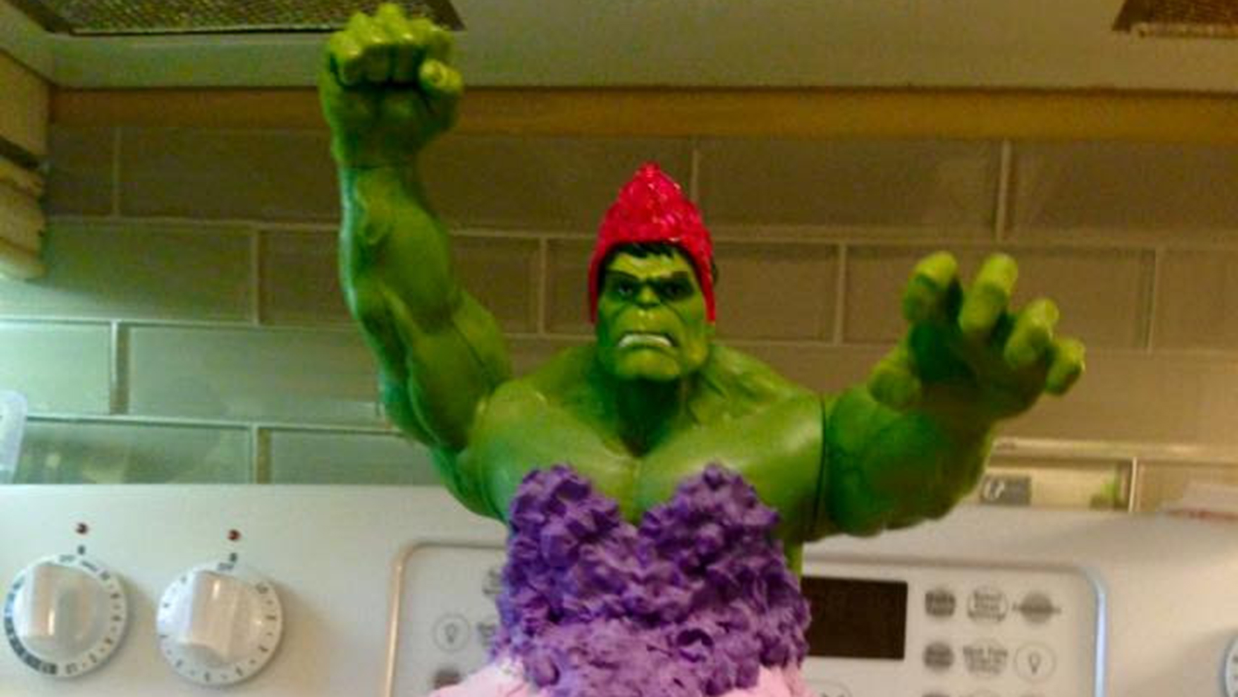 Mom Breaks Superhero Mold By Baking Incredible Hulk Princess Cake