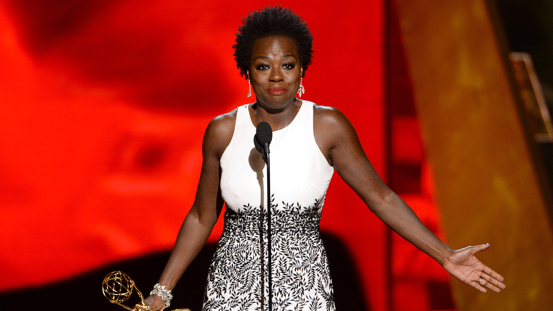 Viola Davis Makes History With Lead Emmy Win For 'how To Get Away With  Murder'  Today