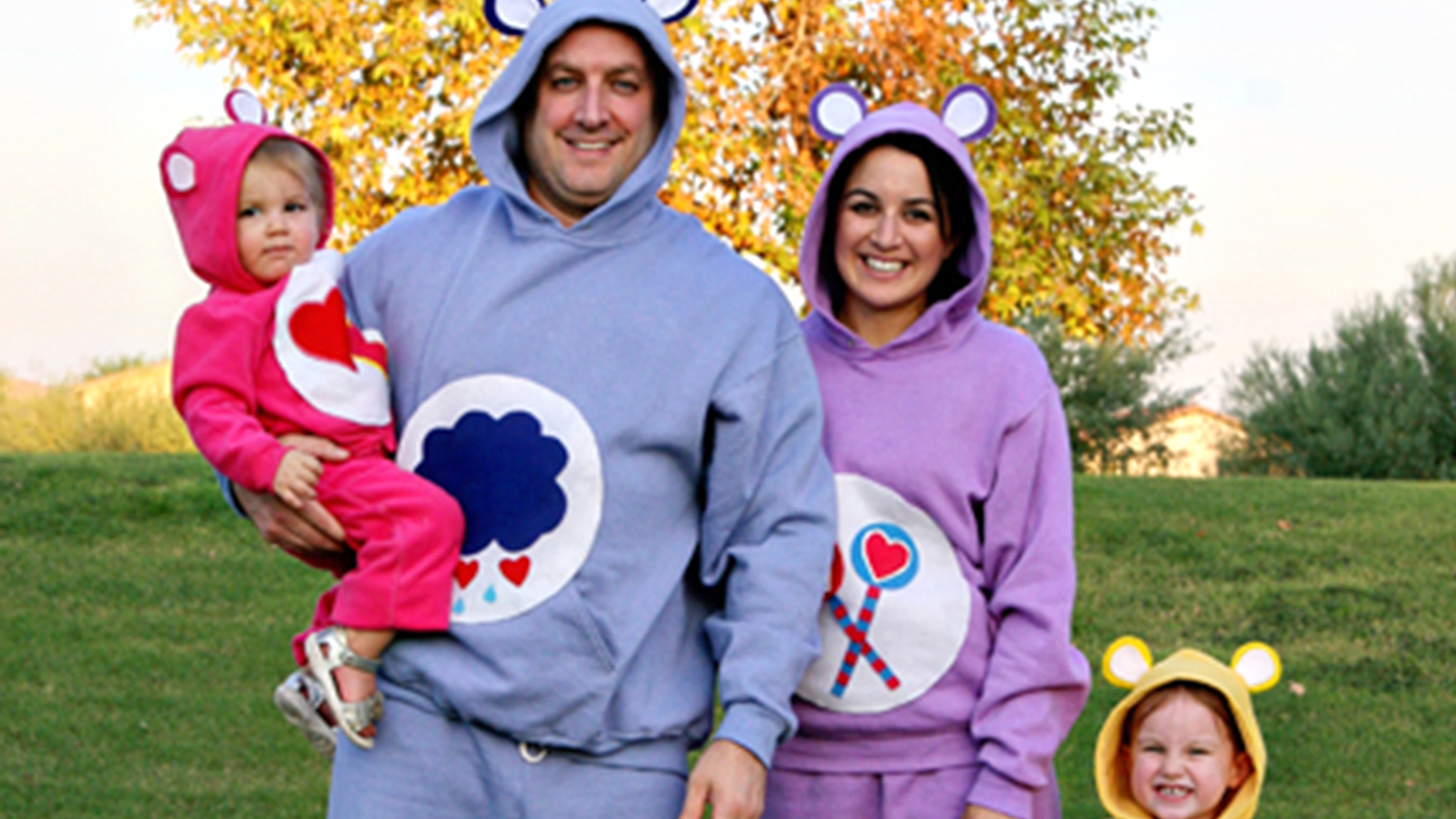 13 low-cost funny DIY Halloween costumes for families  sc 1 st  Today Show & Team spirit! 13 low-cost funny DIY Halloween costumes for families