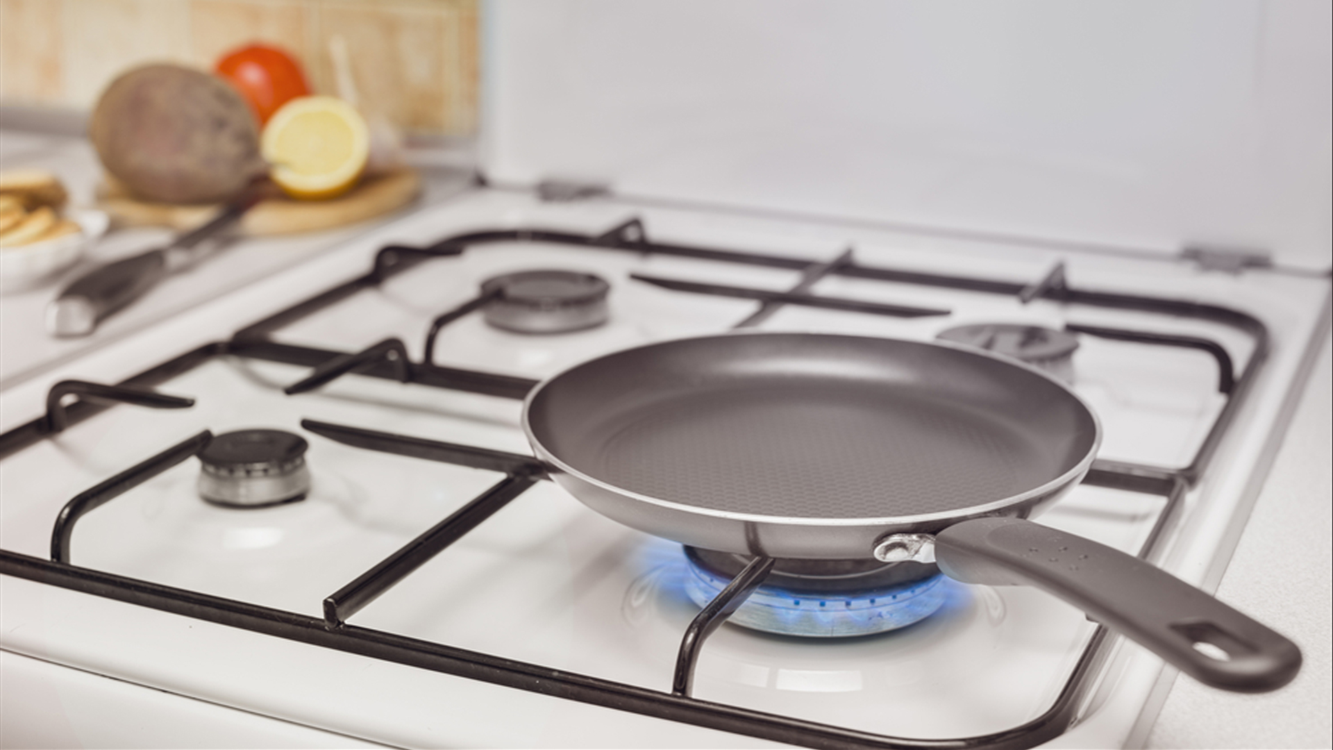 cleaning hack how to clean stove grates. Black Bedroom Furniture Sets. Home Design Ideas